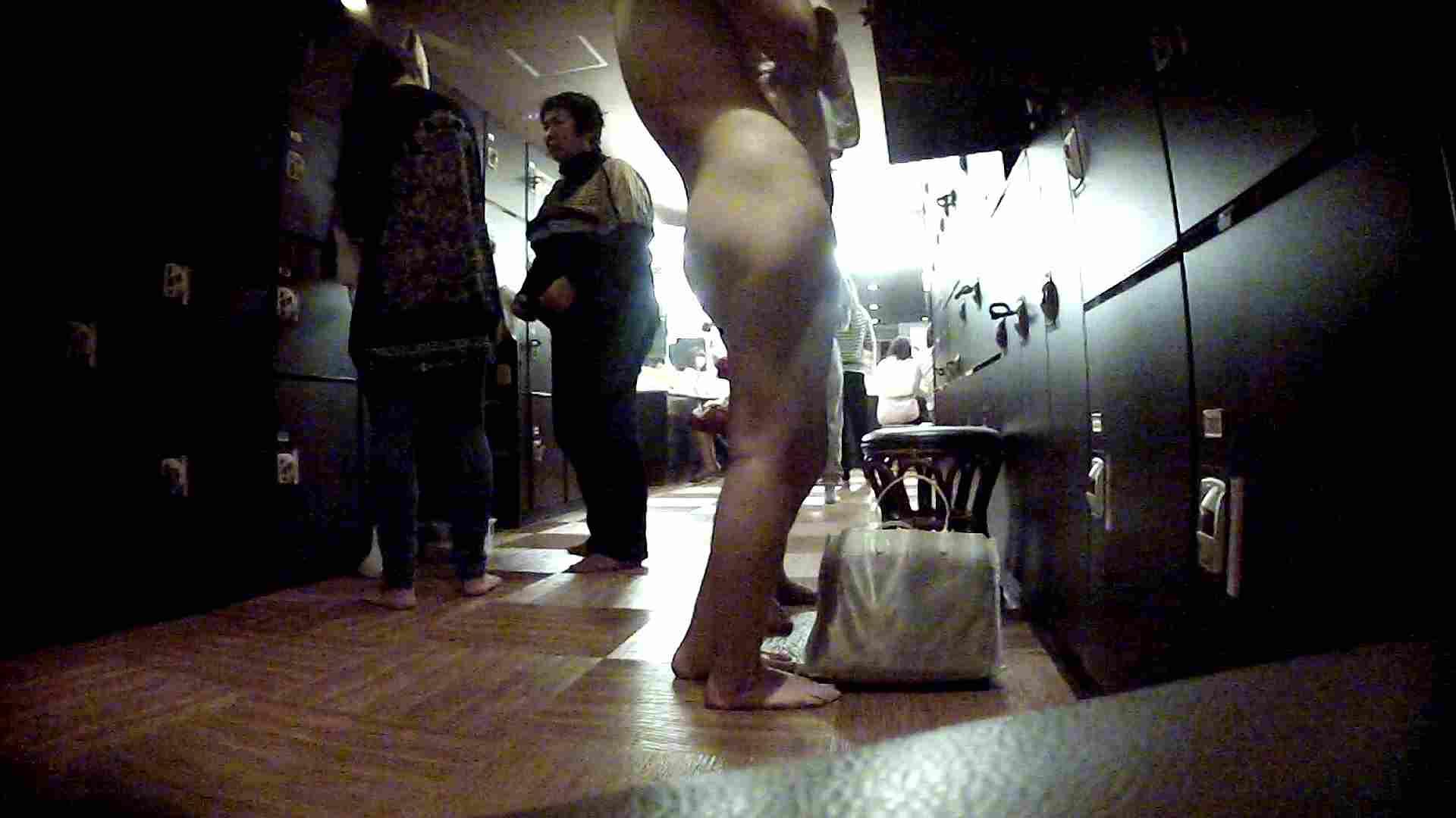 脱衣所!オムニバス 大混雑!注目はあの人の御御足でしょう。 女湯のぞき オマンコ無修正動画無料 109枚 96