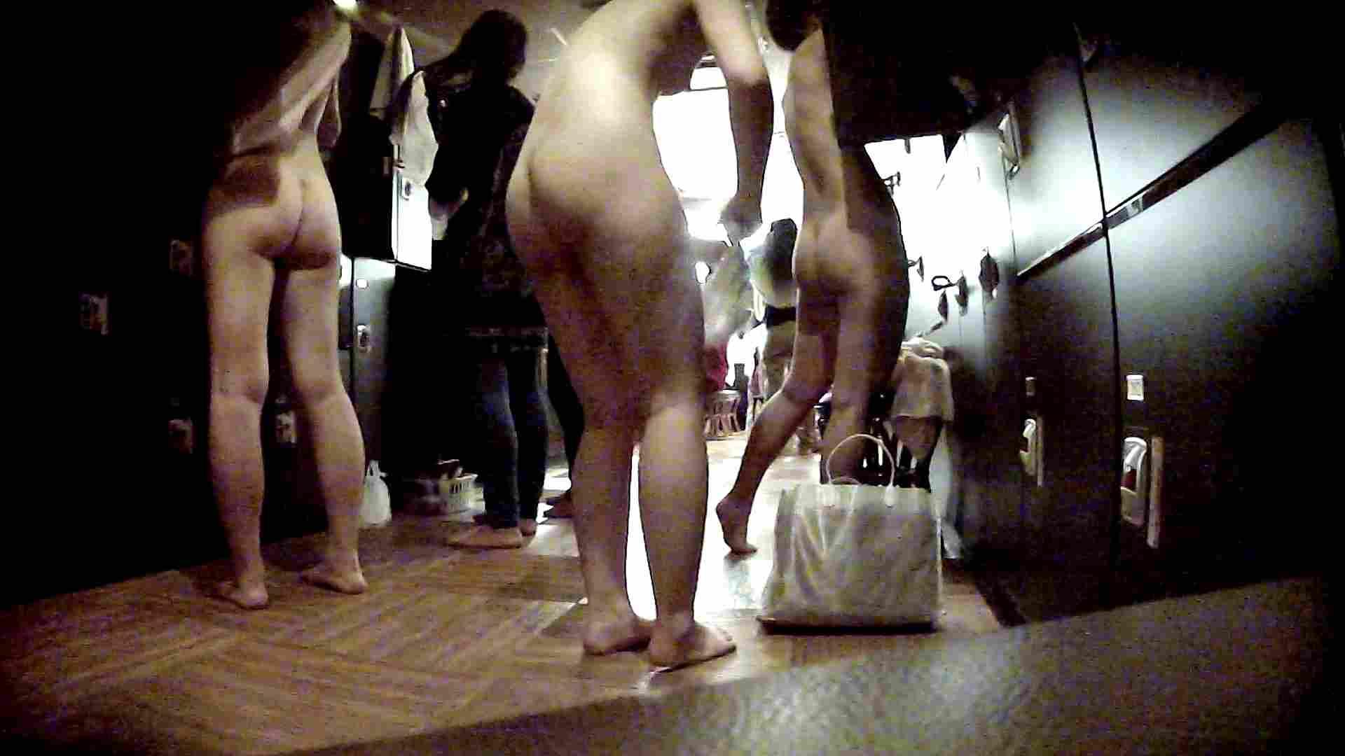 脱衣所!オムニバス 大混雑!注目はあの人の御御足でしょう。 女湯のぞき オマンコ無修正動画無料 109枚 103