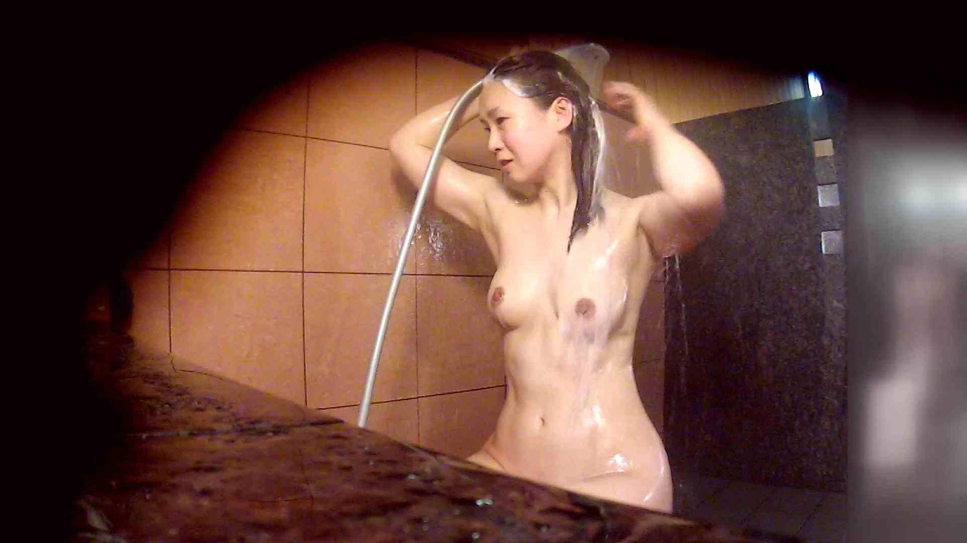 洗い場!マッスルお嬢さん!でもオッパイだけは柔らかそうです。 女湯のぞき 性交動画流出 76枚 32