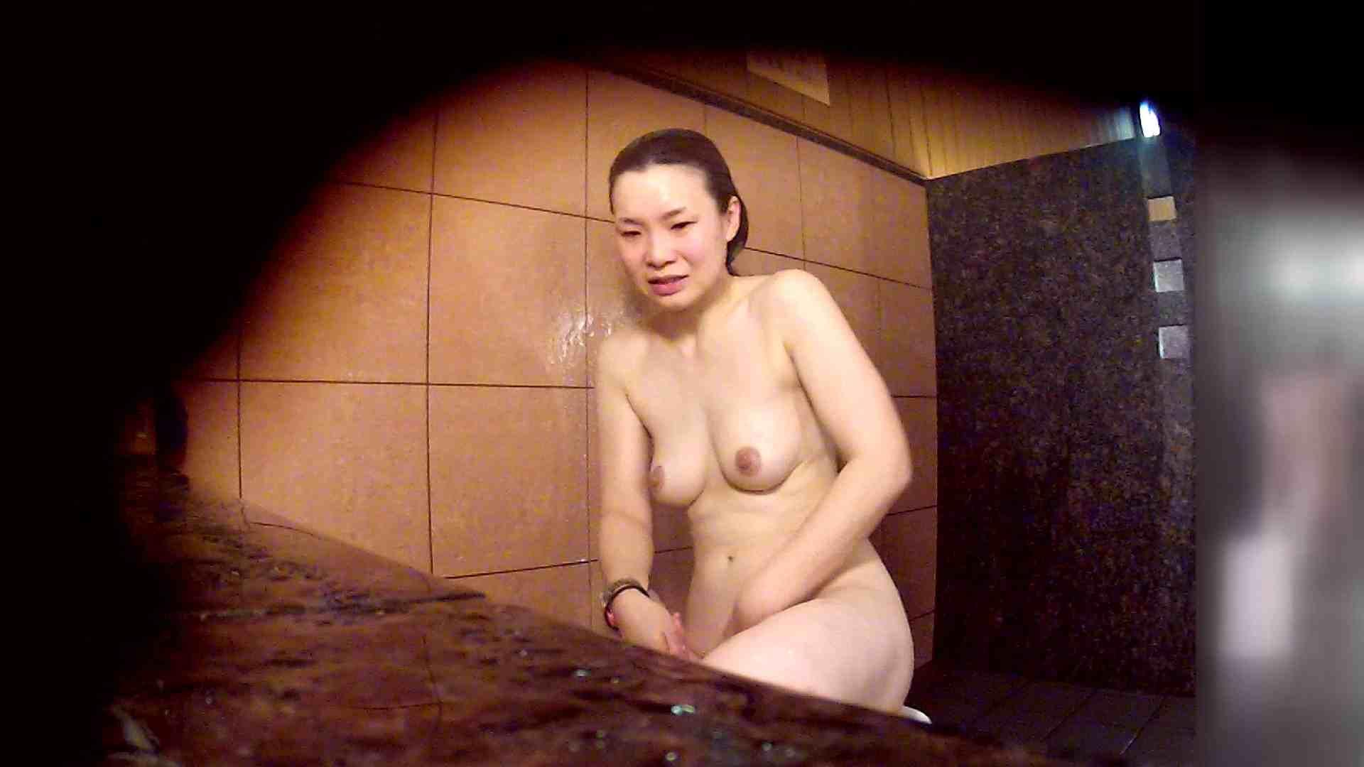 洗い場!マッスルお嬢さん!でもオッパイだけは柔らかそうです。 むっちりガール ワレメ無修正動画無料 76枚 45