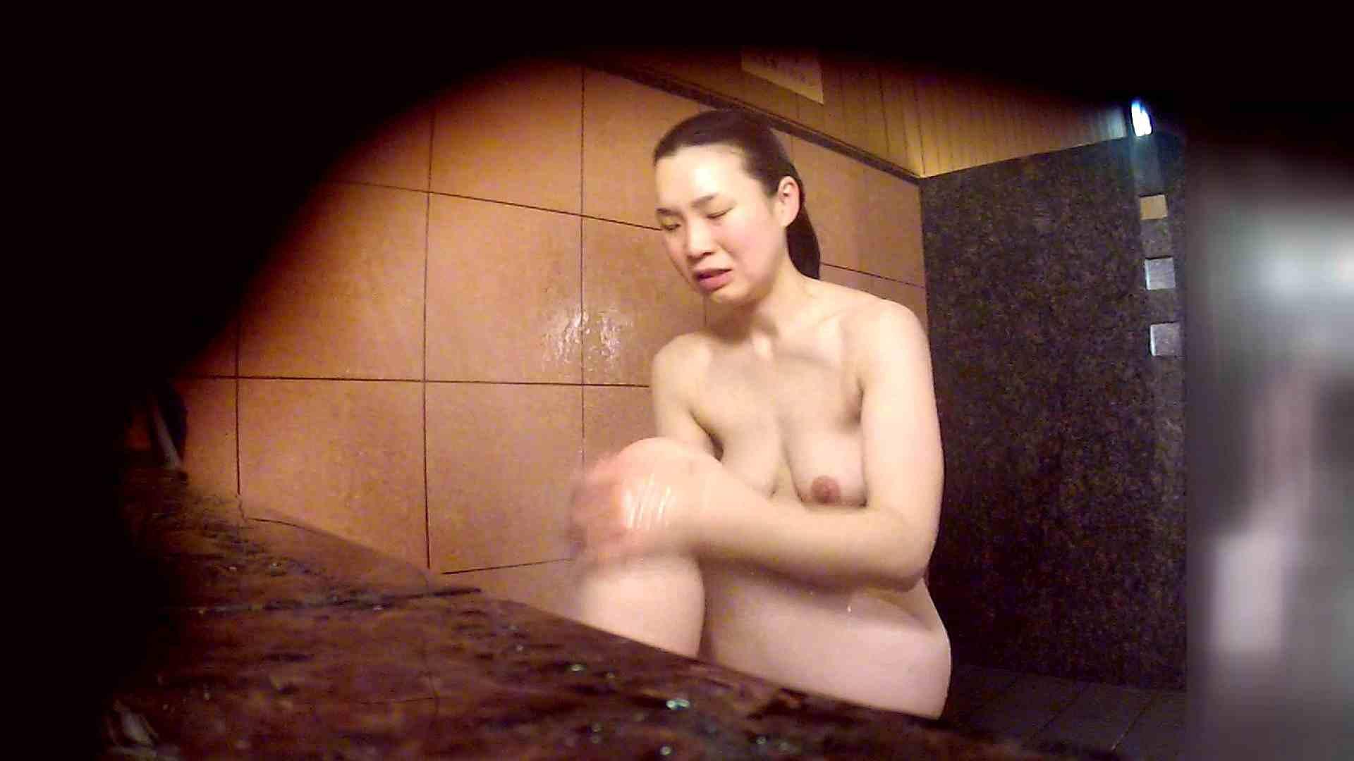洗い場!マッスルお嬢さん!でもオッパイだけは柔らかそうです。 潜入 おめこ無修正画像 76枚 51