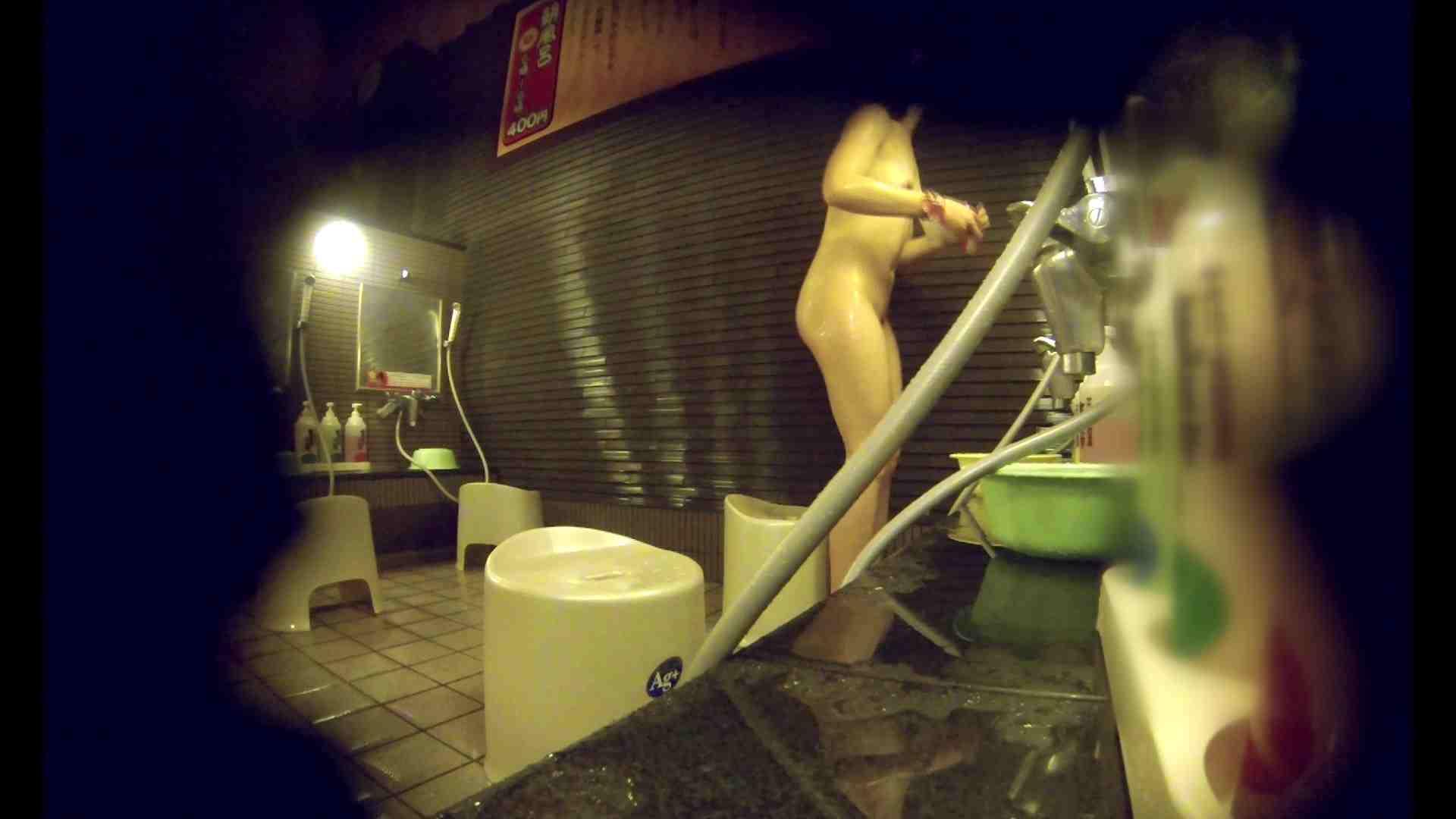 洗い場!しかし・・・綺麗な顔をしてますね。結婚したいな。 銭湯事情   美乳  91枚 7