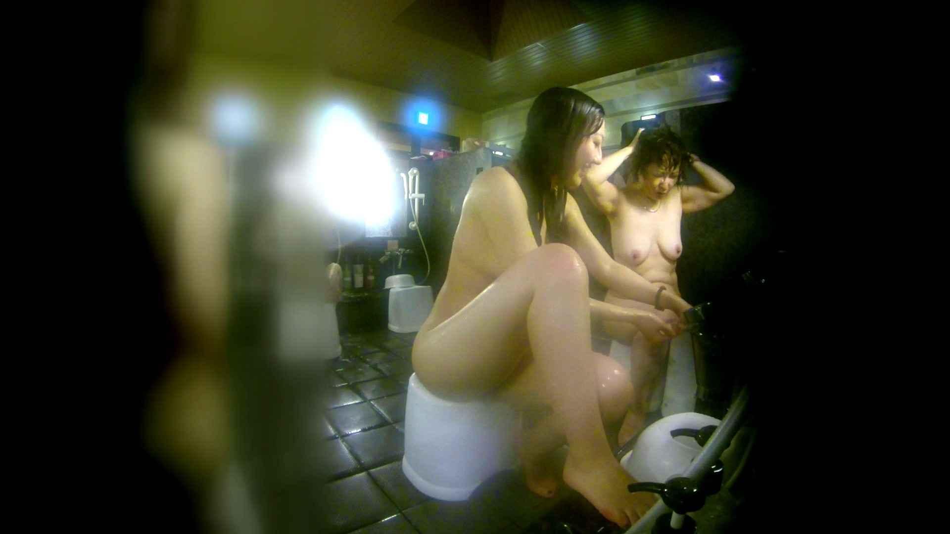 洗い場!右足の位置がいいですね。陰毛もっさり! 美肌 オメコ動画キャプチャ 107枚 24