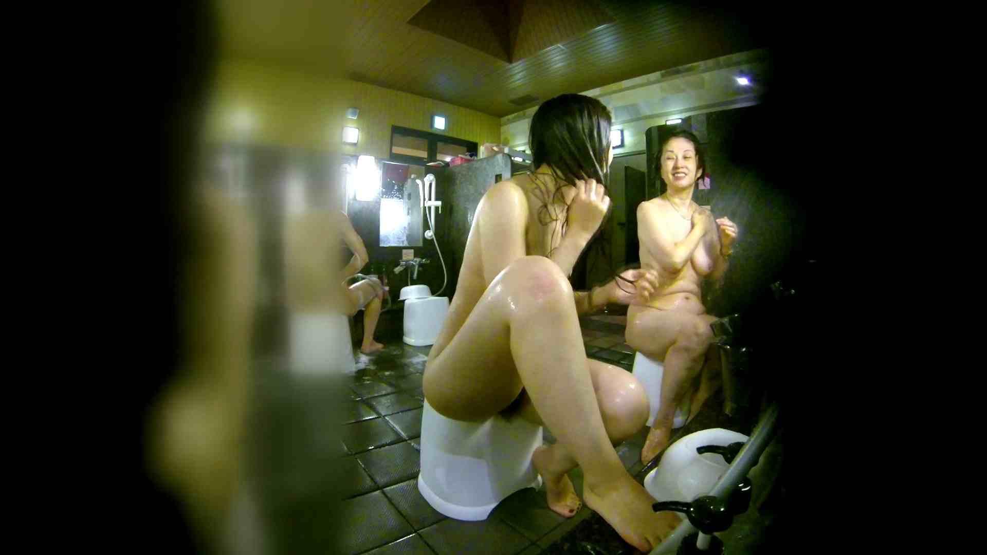 洗い場!右足の位置がいいですね。陰毛もっさり! 潜入   細身体型  107枚 36