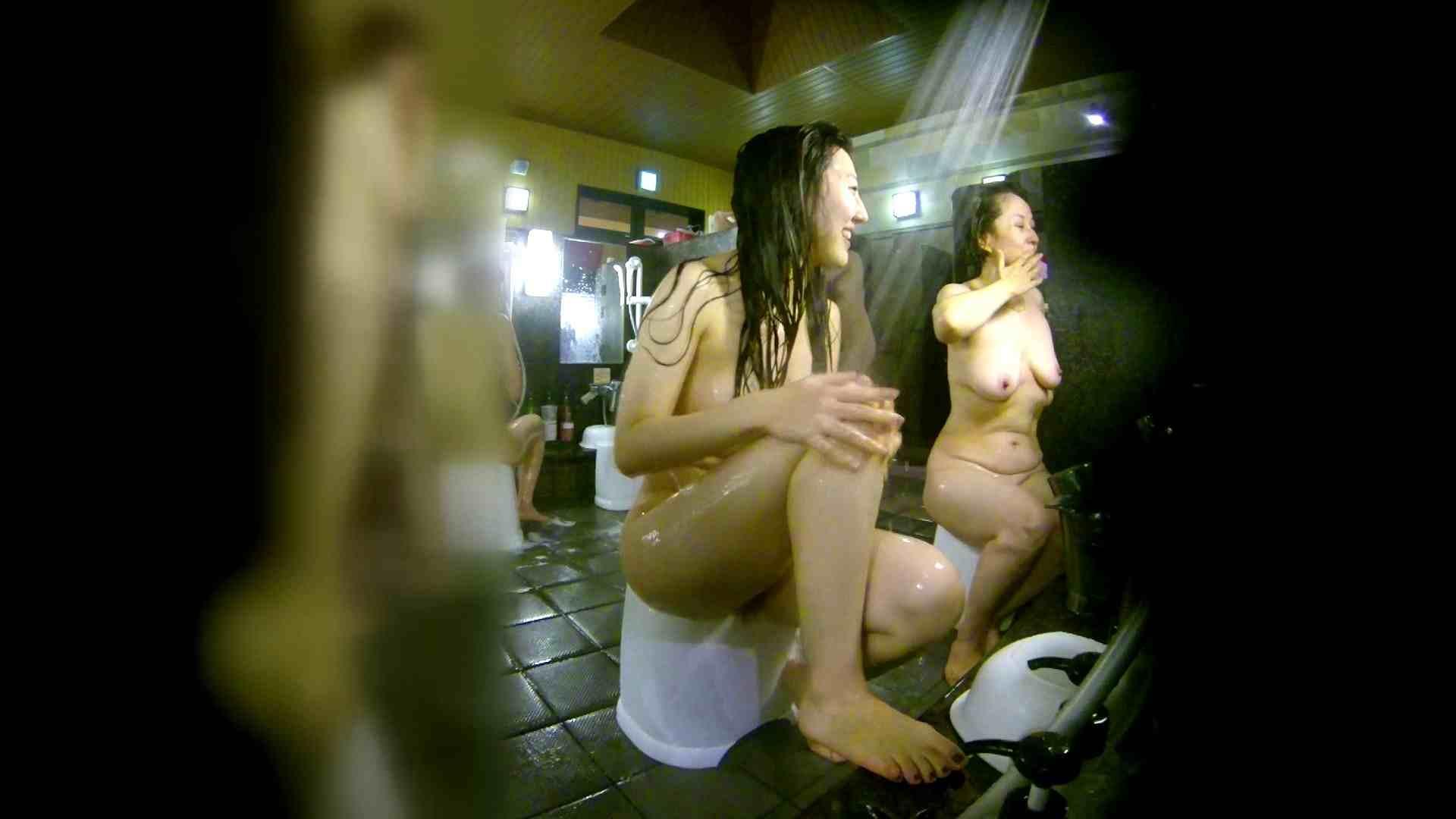 洗い場!右足の位置がいいですね。陰毛もっさり! 女湯のぞき えろ無修正画像 107枚 40
