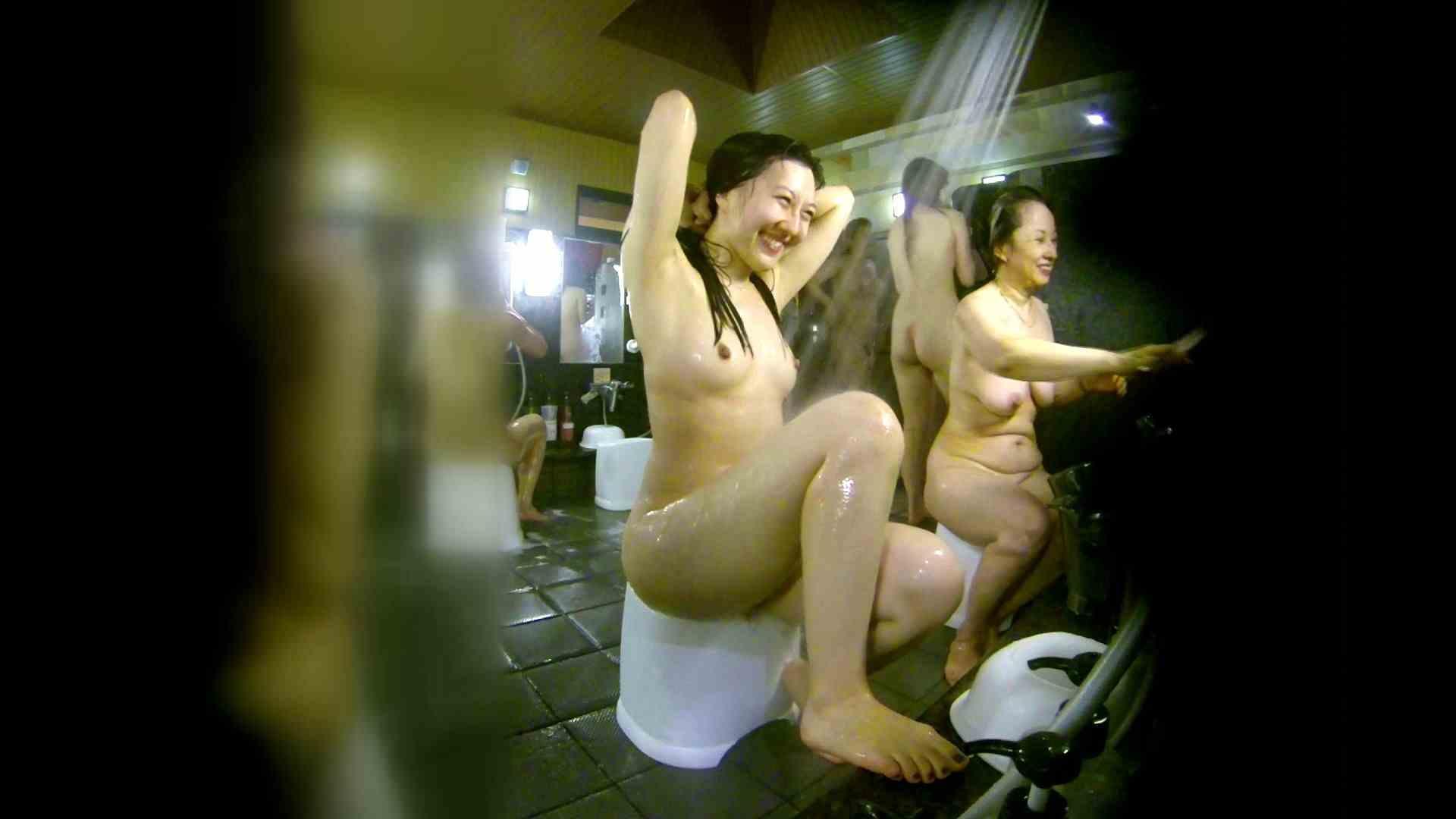 洗い場!右足の位置がいいですね。陰毛もっさり! 銭湯事情 オメコ動画キャプチャ 107枚 41