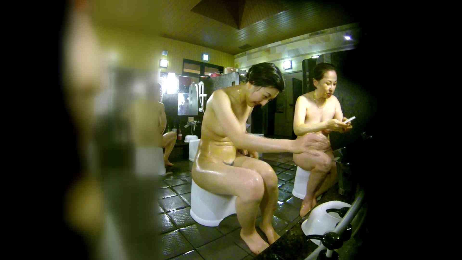 洗い場!右足の位置がいいですね。陰毛もっさり! 潜入   細身体型  107枚 50