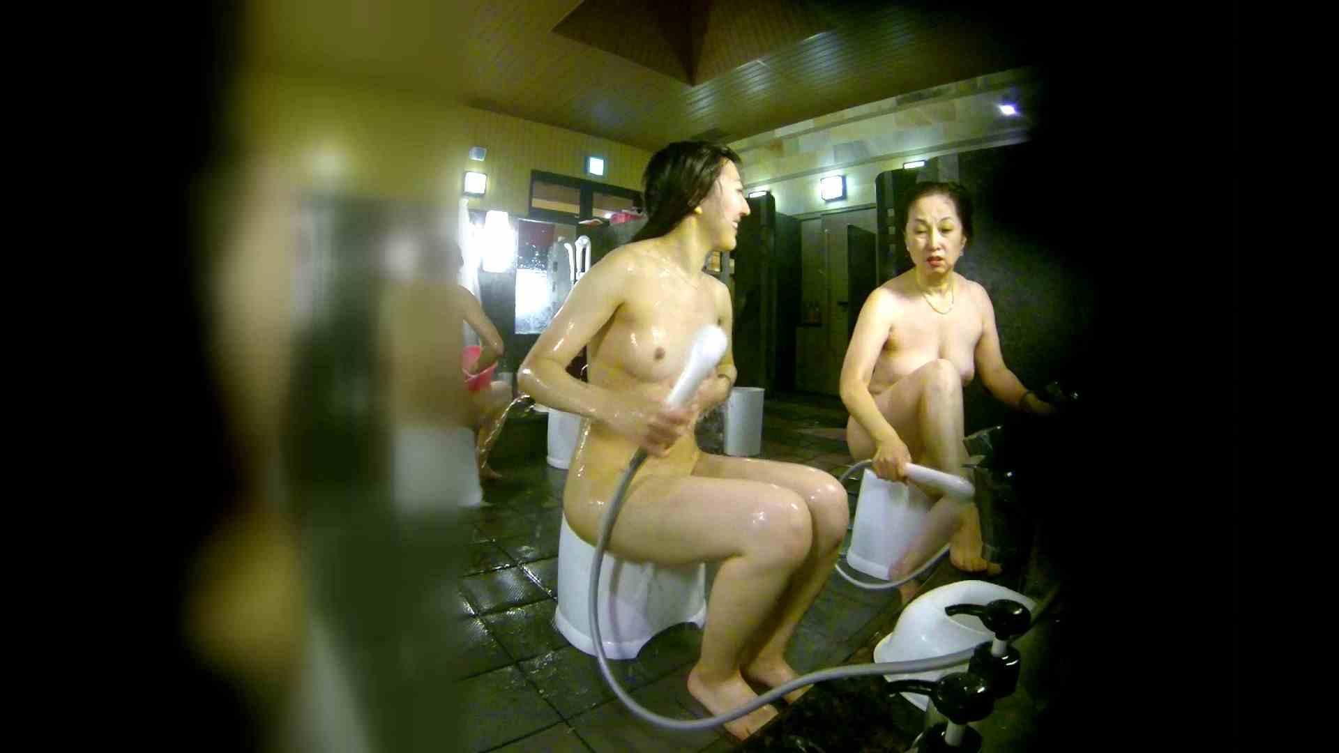 洗い場!右足の位置がいいですね。陰毛もっさり! 女湯のぞき えろ無修正画像 107枚 61