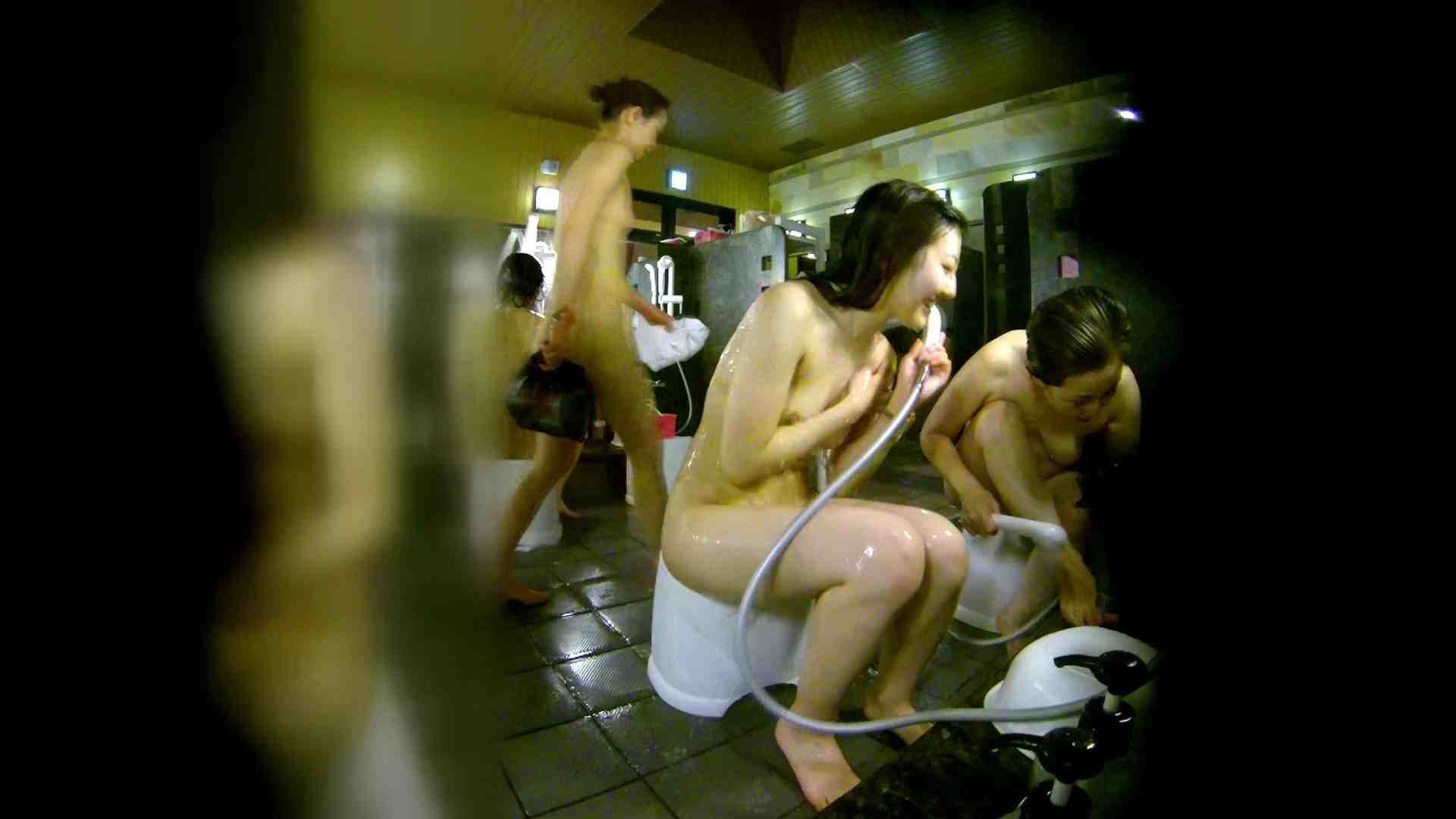 洗い場!右足の位置がいいですね。陰毛もっさり! 銭湯事情 オメコ動画キャプチャ 107枚 69
