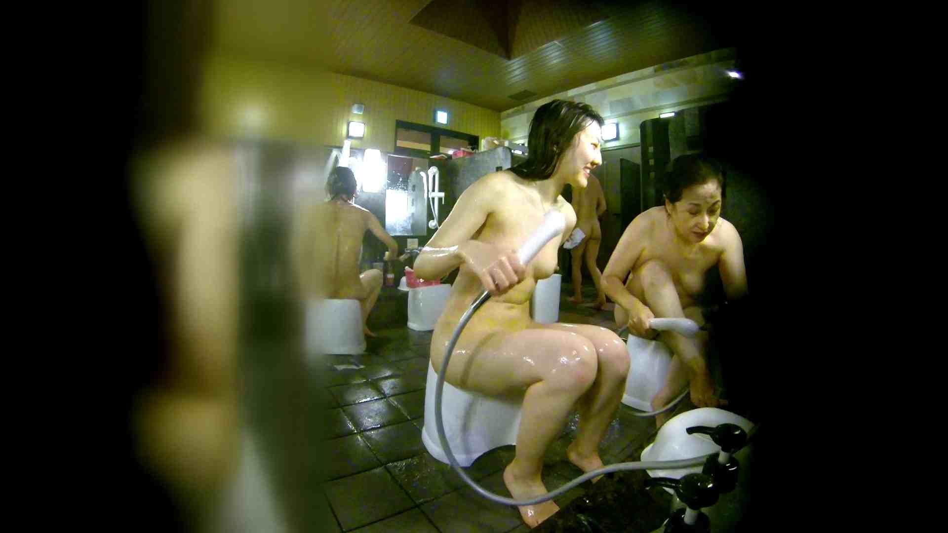 洗い場!右足の位置がいいですね。陰毛もっさり! 潜入  107枚 70