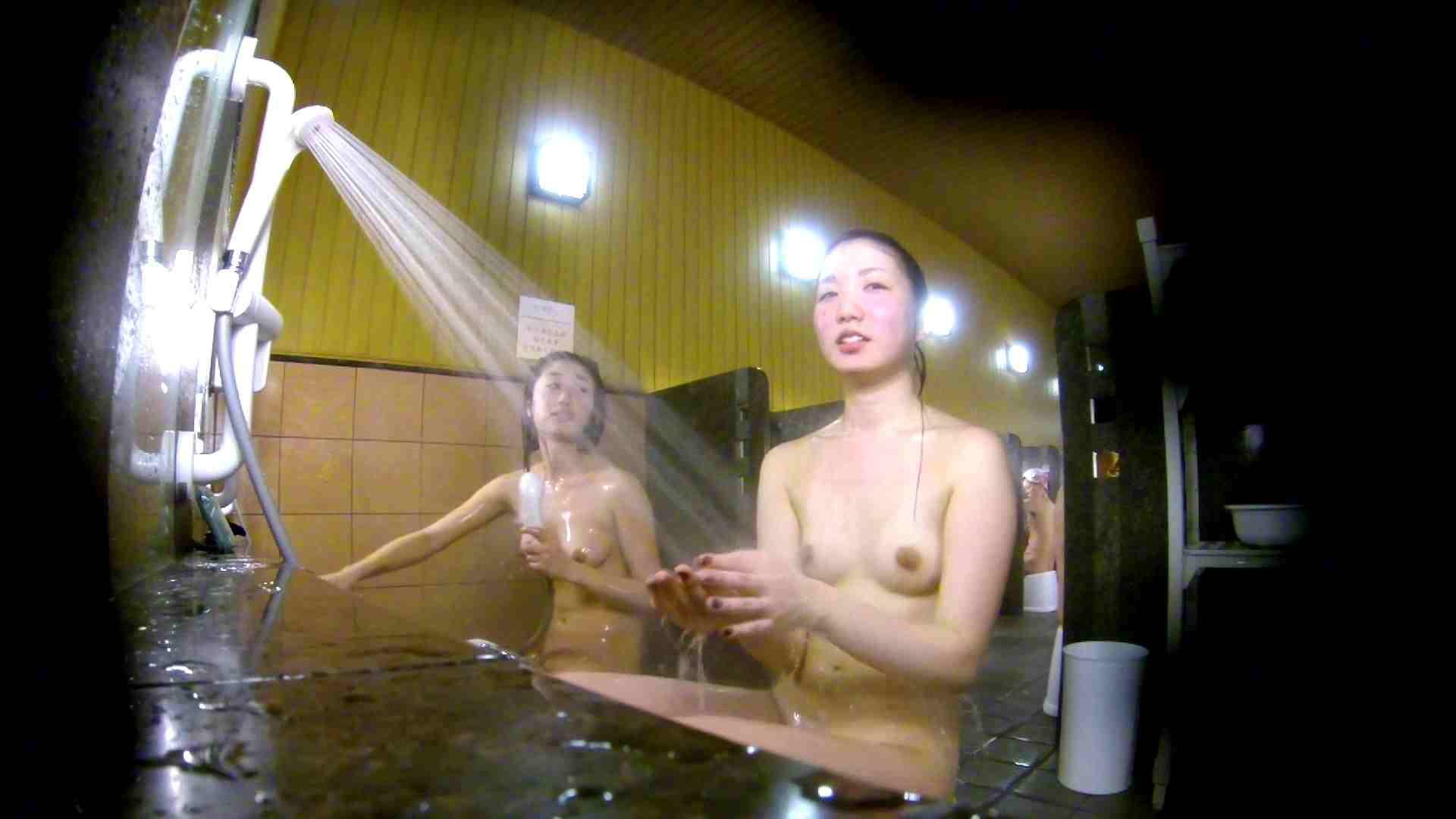 洗い場!奥の嬢をもっと近くでと思ってしまったけどイイ作品。 桃色乳首 えろ無修正画像 102枚 100