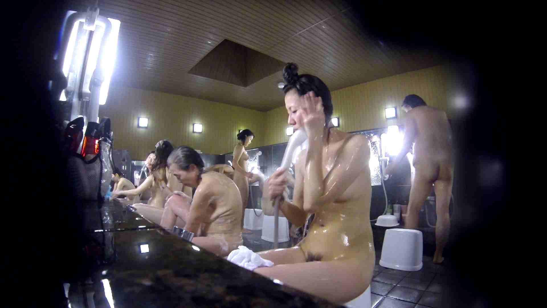 洗い場!だんご結びのお女市さん、色素が薄いです。 細身体型 | 潜入  110枚 7