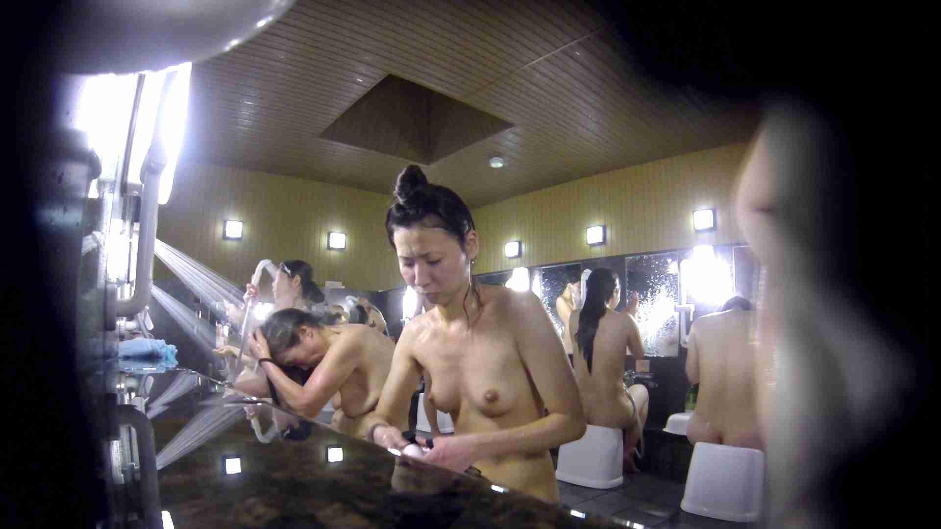 洗い場!だんご結びのお女市さん、色素が薄いです。 美乳 オメコ無修正動画無料 110枚 27