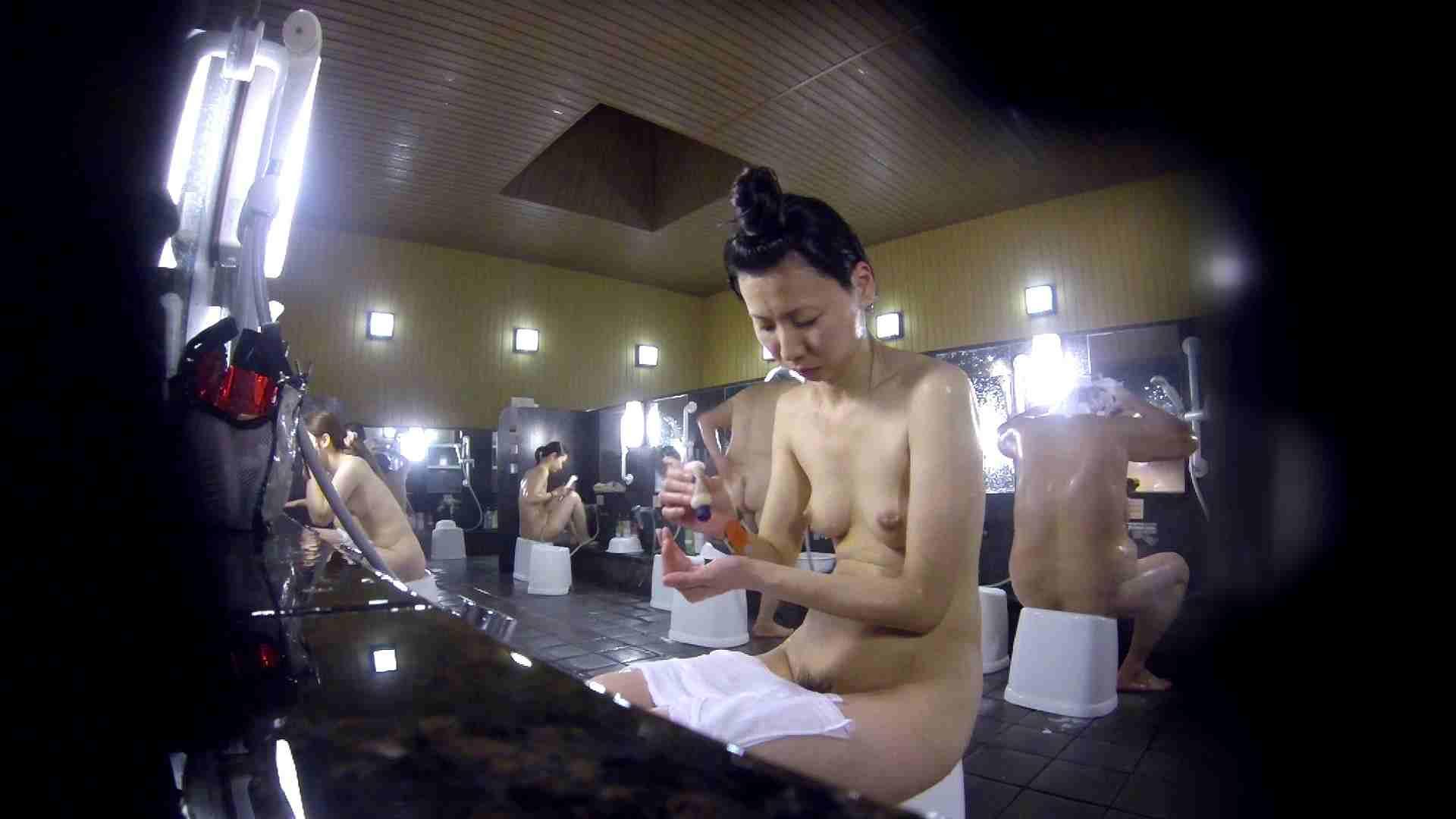 洗い場!だんご結びのお女市さん、色素が薄いです。 細身体型  110枚 54