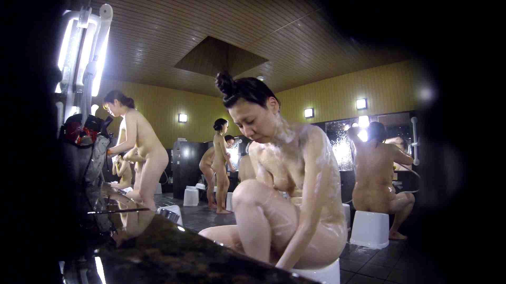 洗い場!だんご結びのお女市さん、色素が薄いです。 細身体型  110枚 84