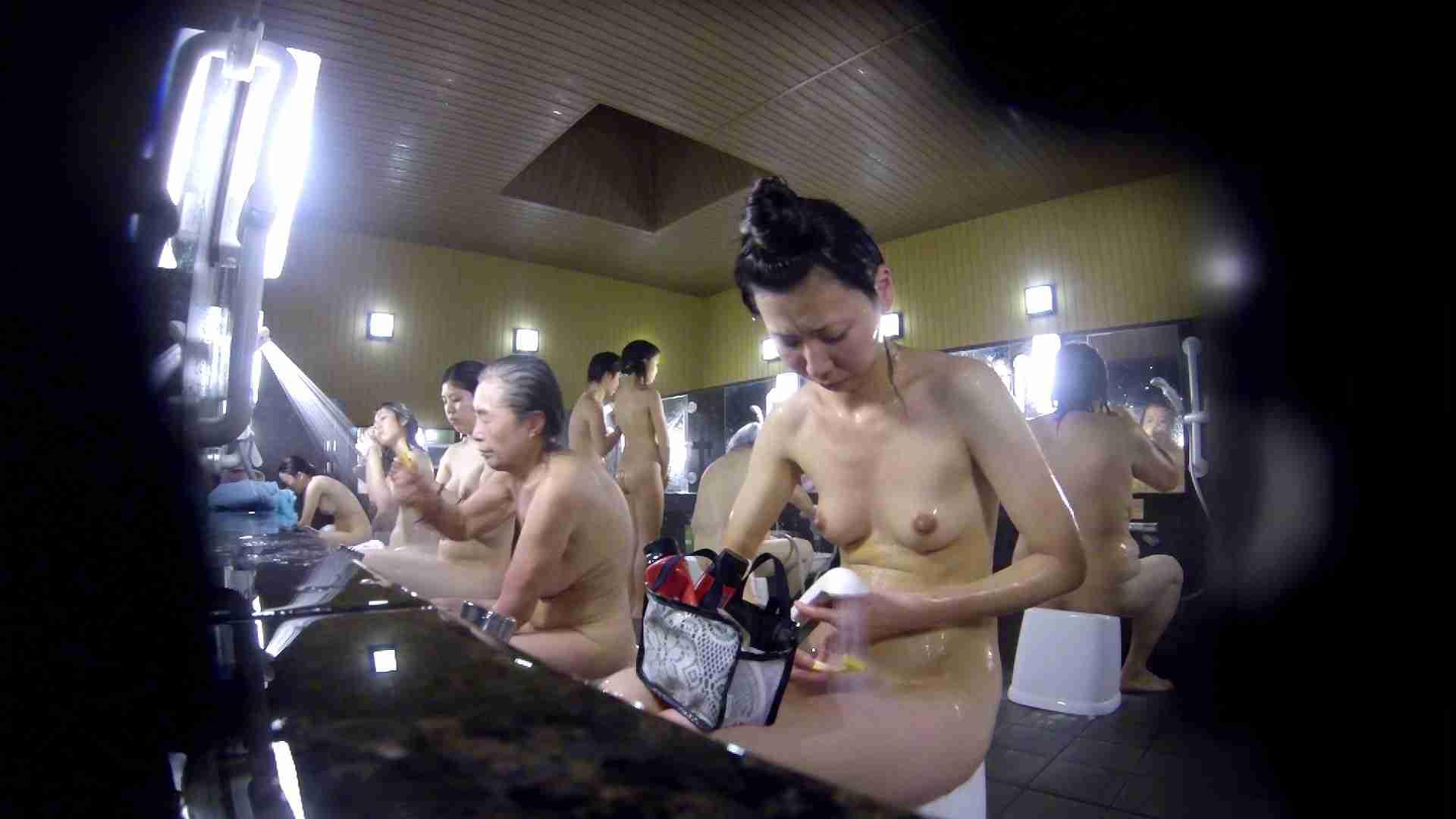 洗い場!だんご結びのお女市さん、色素が薄いです。 細身体型 | 潜入  110枚 103