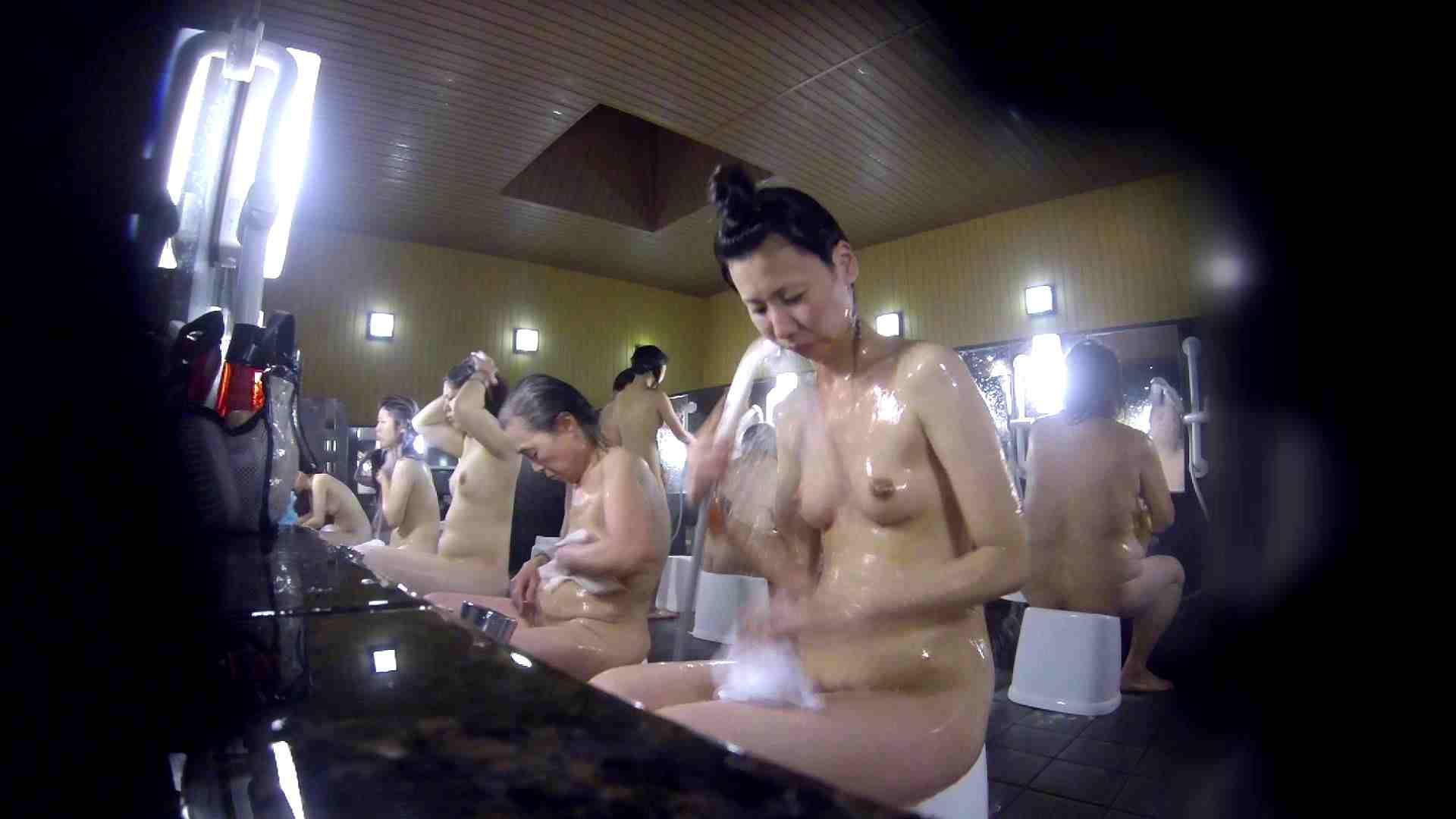 洗い場!だんご結びのお女市さん、色素が薄いです。 細身体型 | 潜入  110枚 109
