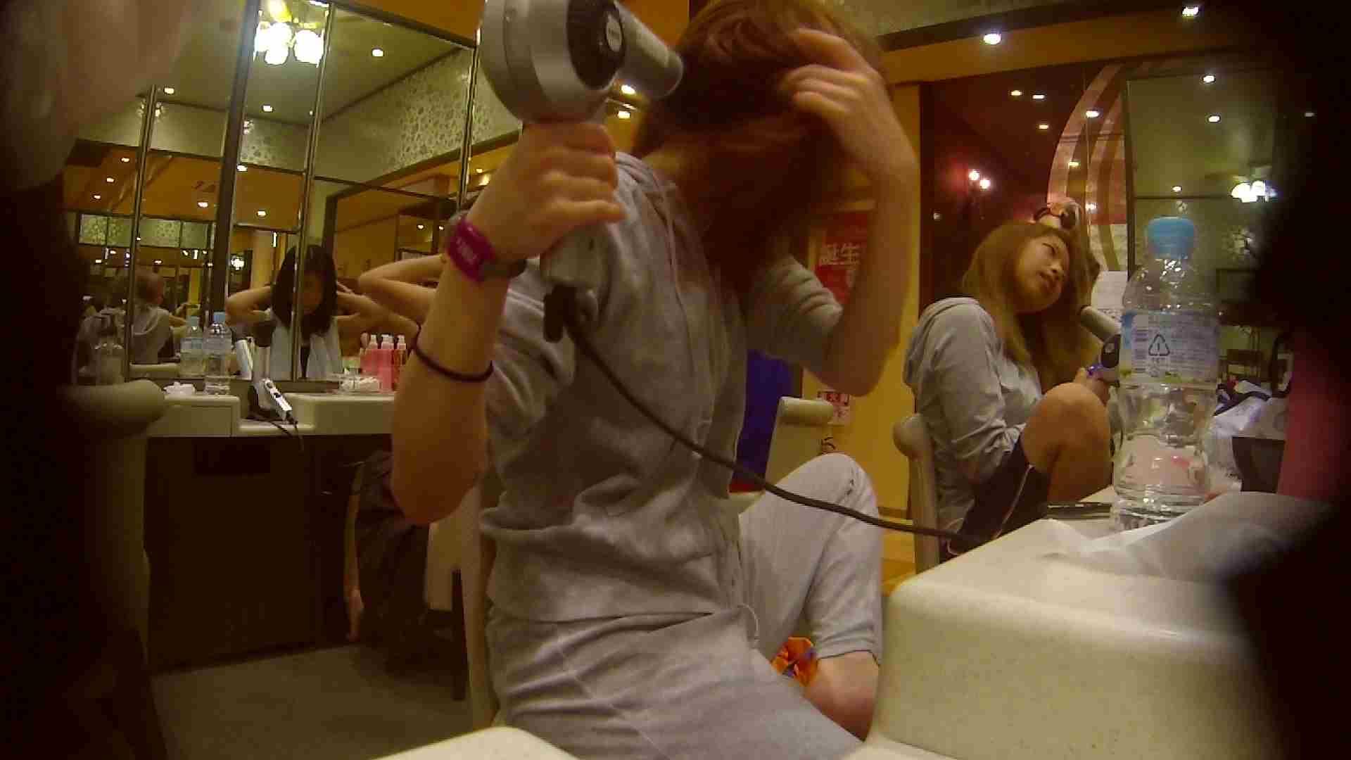 追い撮り!脱衣~洗い場、そして着替え、髪を乾かすまで完全追跡。 むっちりガール 性交動画流出 84枚 17