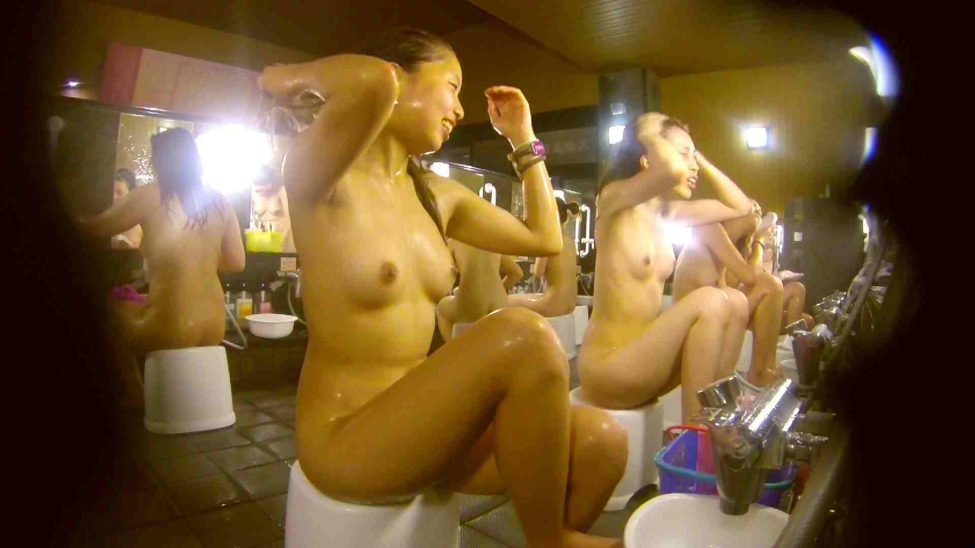 追い撮り!脱衣~洗い場、そして着替え、髪を乾かすまで完全追跡。 潜入 アダルト動画キャプチャ 84枚 38