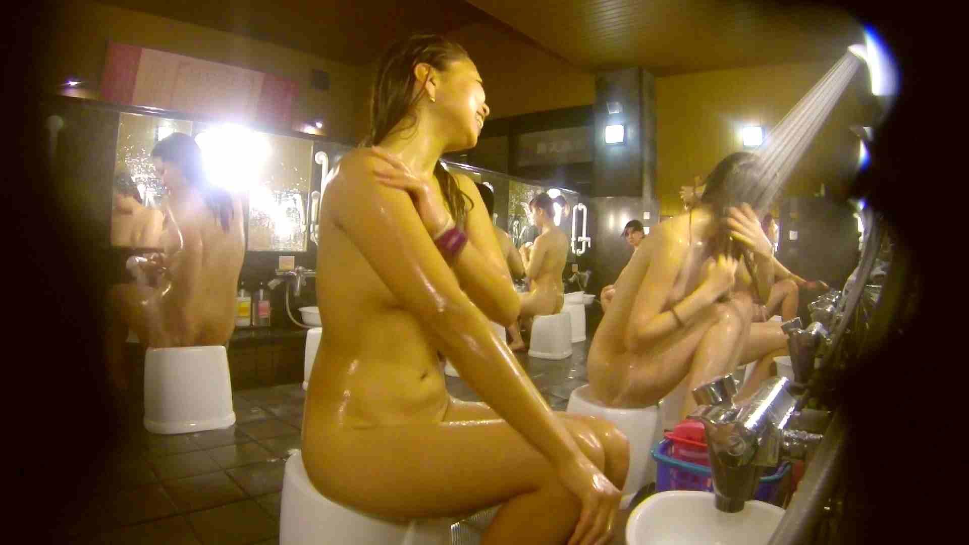 追い撮り!脱衣~洗い場、そして着替え、髪を乾かすまで完全追跡。 女湯のぞき ワレメ動画紹介 84枚 51