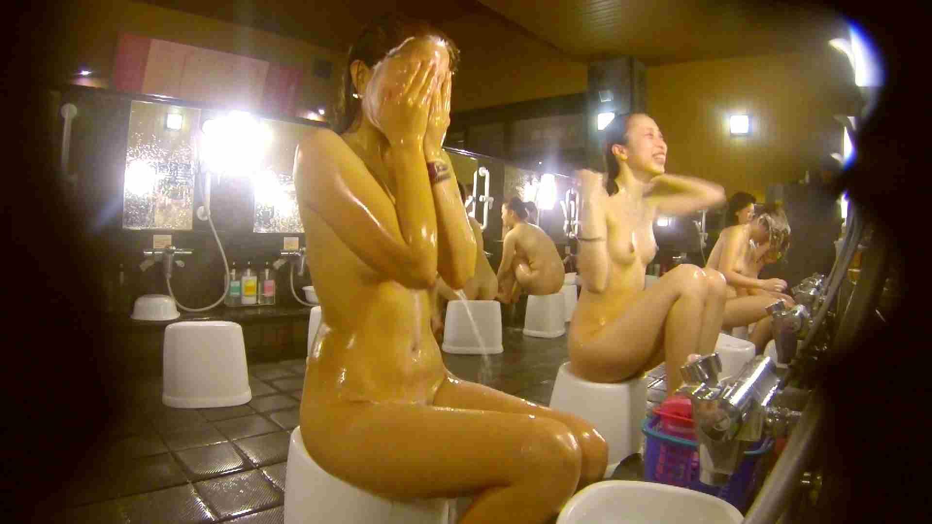 追い撮り!脱衣~洗い場、そして着替え、髪を乾かすまで完全追跡。 女湯のぞき ワレメ動画紹介 84枚 62
