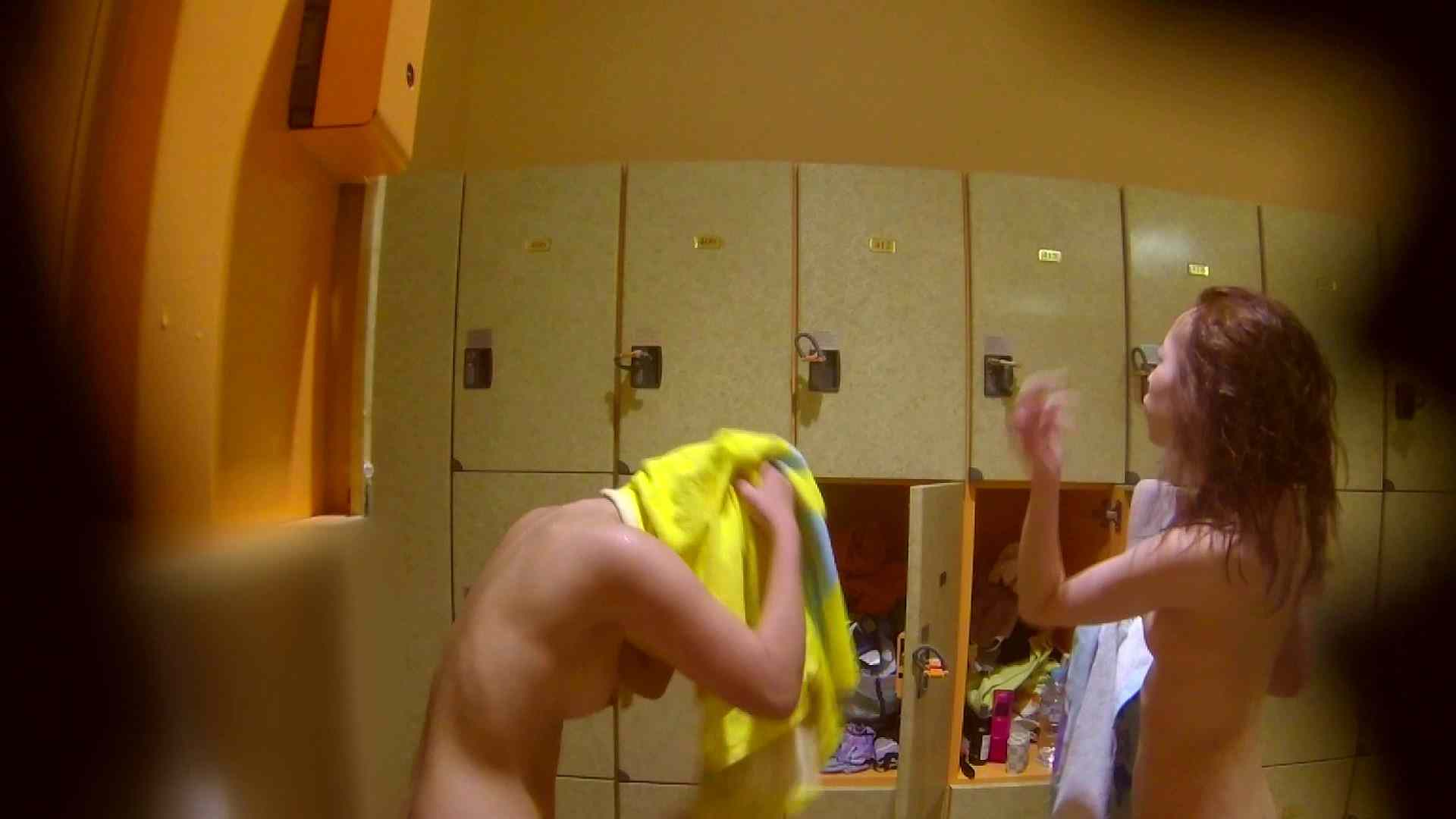 追い撮り!脱衣~洗い場、そして着替え、髪を乾かすまで完全追跡。 むっちりガール 性交動画流出 84枚 72