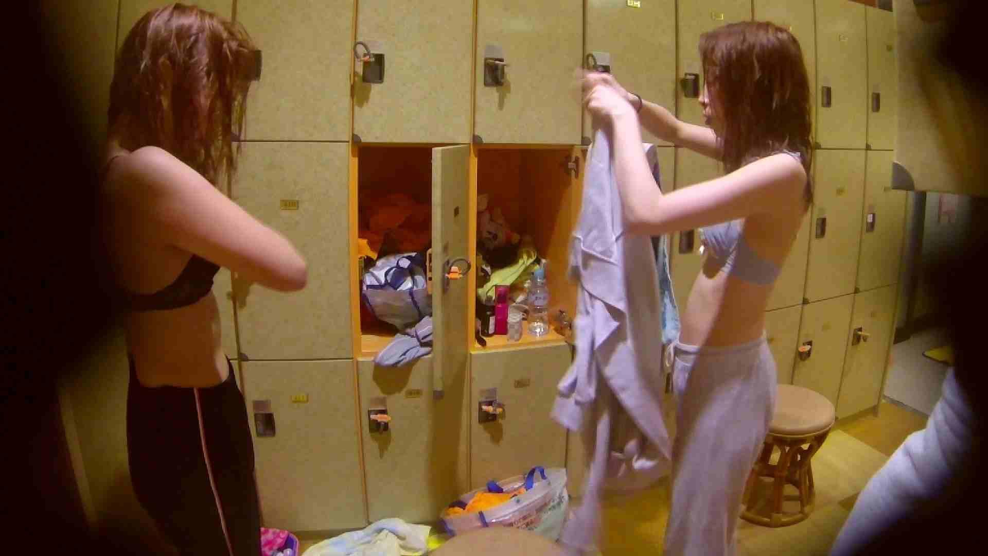 追い撮り!脱衣~洗い場、そして着替え、髪を乾かすまで完全追跡。 追跡 性交動画流出 84枚 76