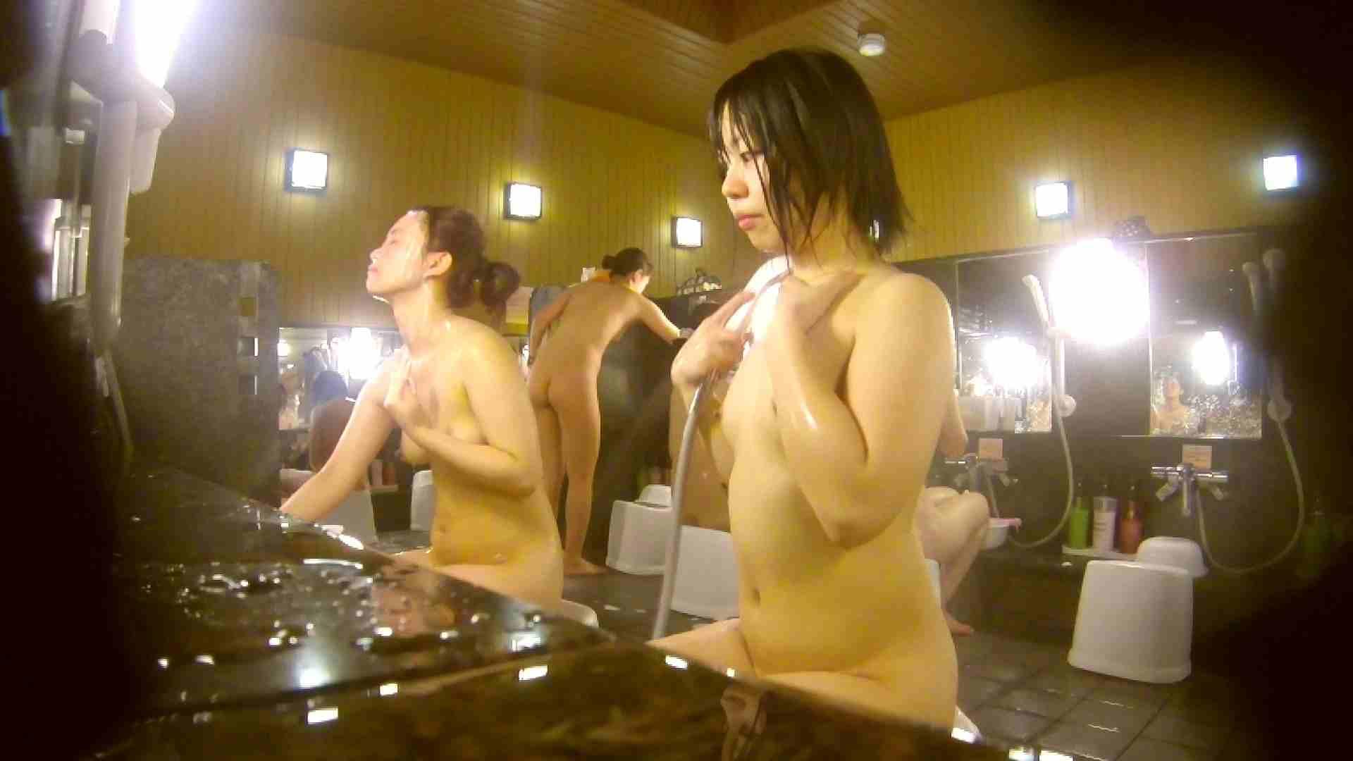 オムニバス!洗い場、通路など色々な裸体が見れてお得です。 むっちりガール ぱこり動画紹介 89枚 4