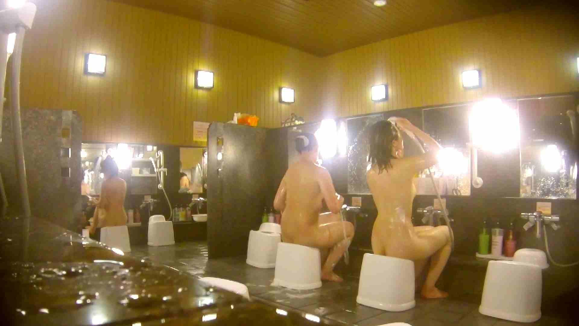 オムニバス!洗い場、通路など色々な裸体が見れてお得です。 お姉さんのSEX エロ画像 89枚 35