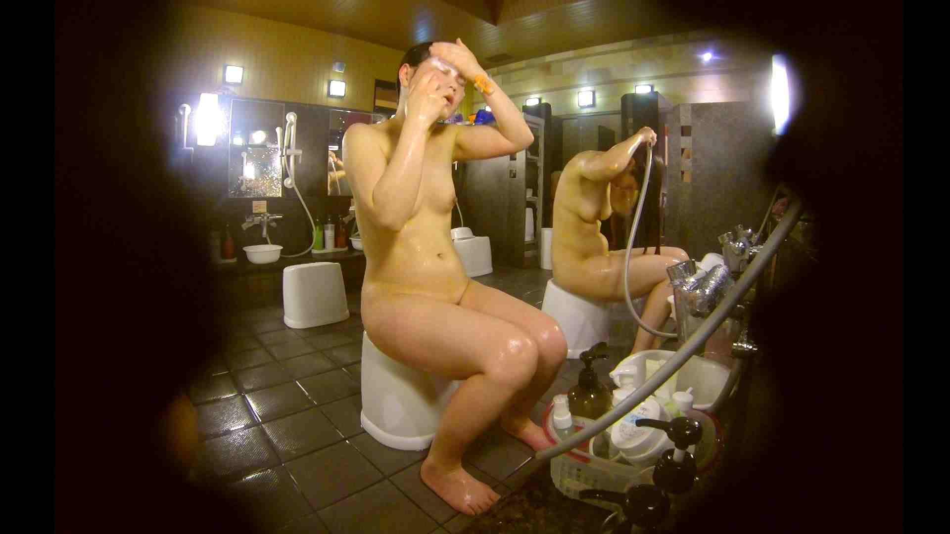 オムニバス!洗い場、通路など色々な裸体が見れてお得です。 アラ30 ワレメ動画紹介 89枚 54