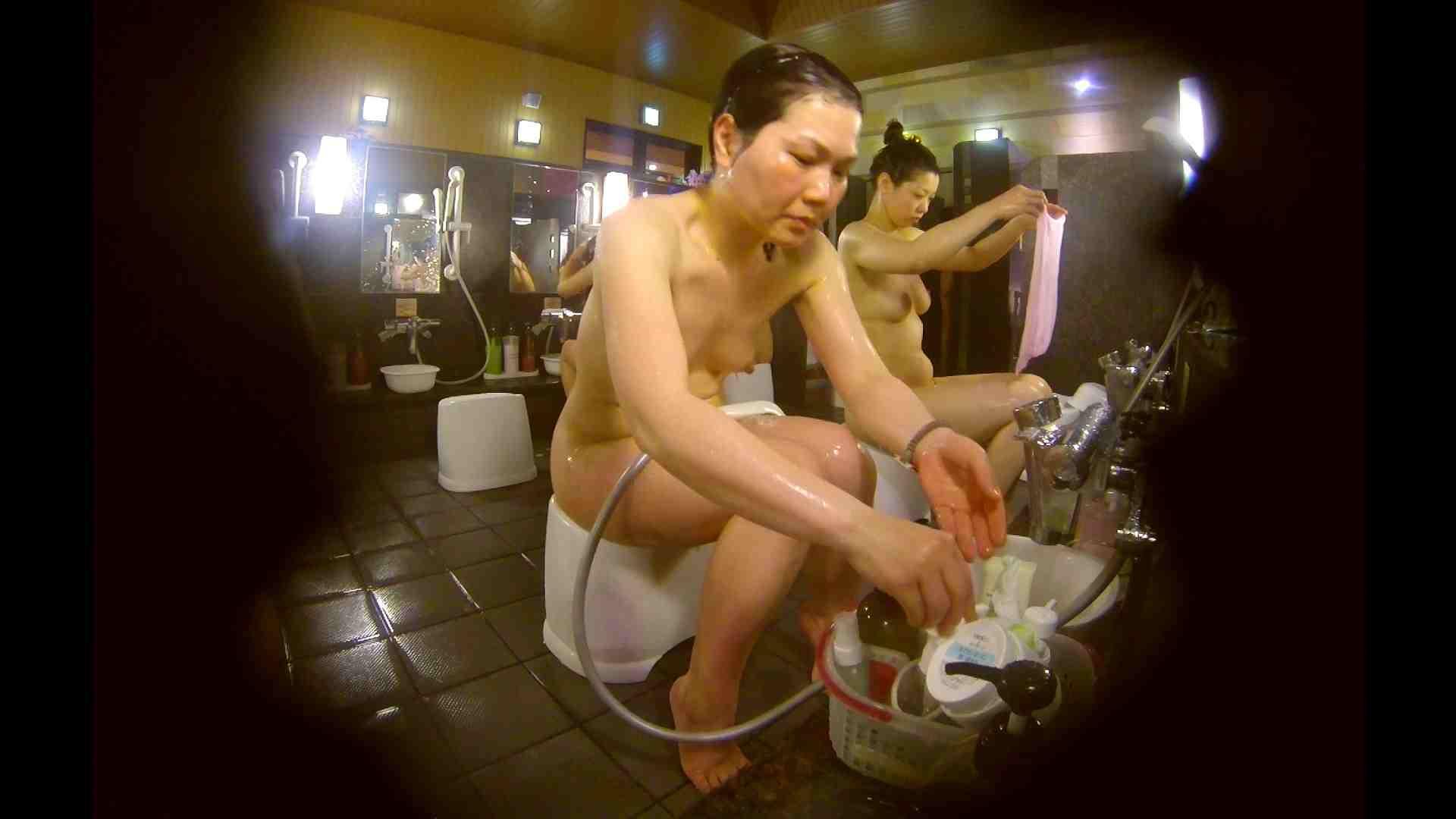 オムニバス!洗い場、通路など色々な裸体が見れてお得です。 銭湯事情 われめAV動画紹介 89枚 71