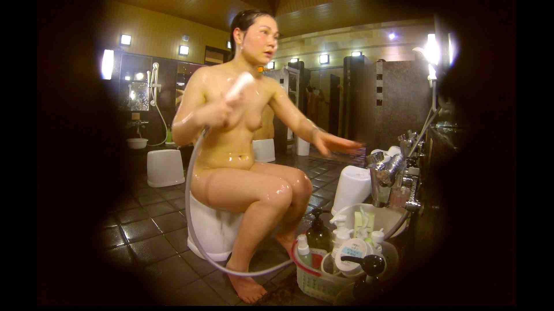オムニバス!洗い場、通路など色々な裸体が見れてお得です。 細身体型  89枚 80