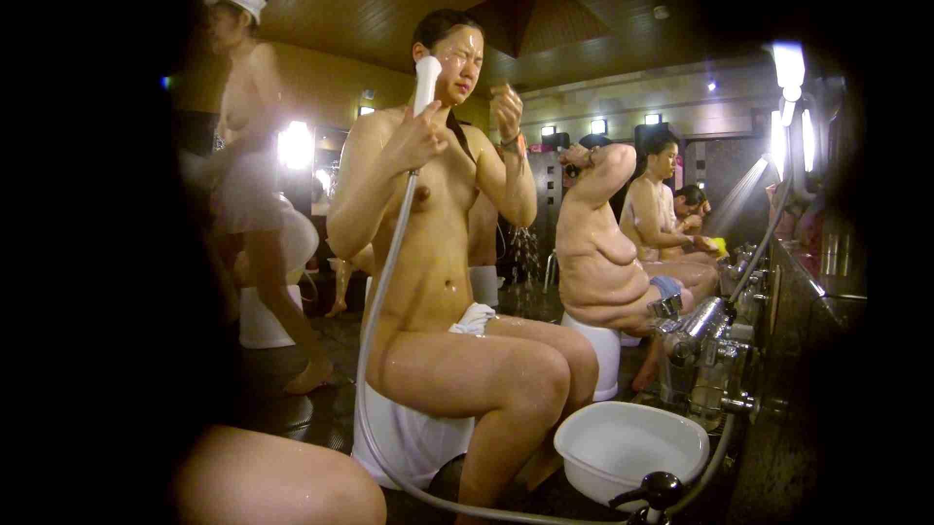 追い撮り!脱衣~洗い場、徹底追跡!撮り師さんに拍手!! 友人・知人 セックス画像 77枚 34