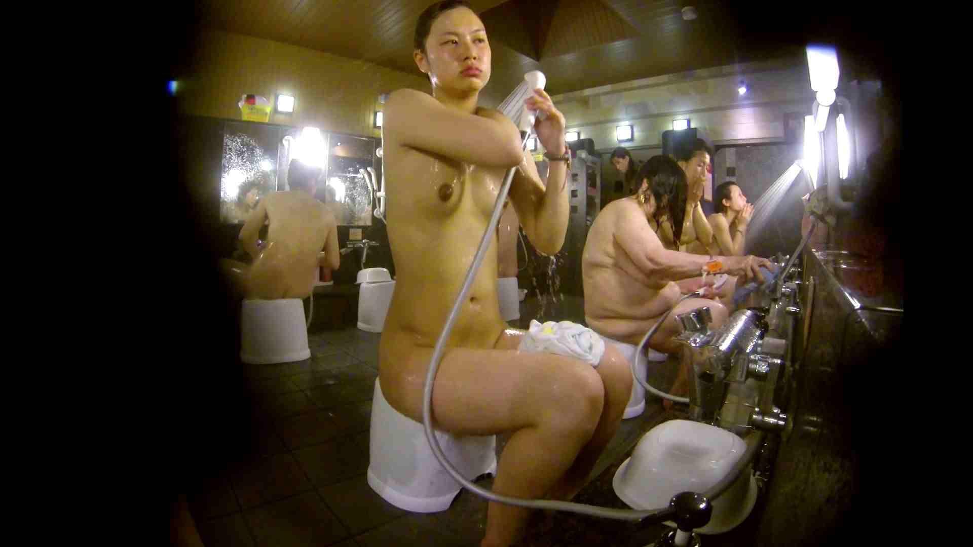 追い撮り!脱衣~洗い場、徹底追跡!撮り師さんに拍手!! 友人・知人 セックス画像 77枚 52