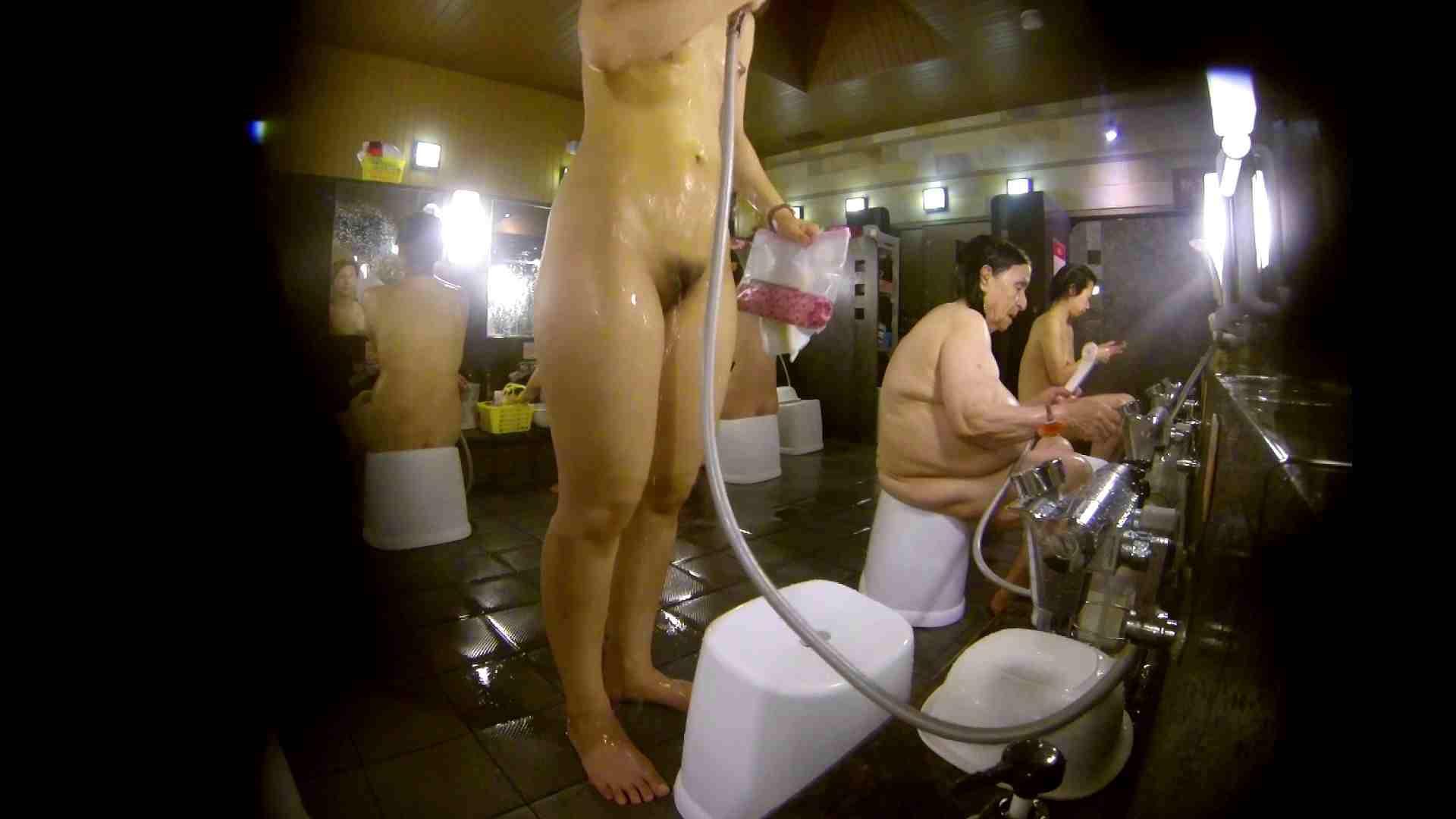 追い撮り!脱衣~洗い場、徹底追跡!撮り師さんに拍手!! 銭湯事情 セックス無修正動画無料 77枚 60