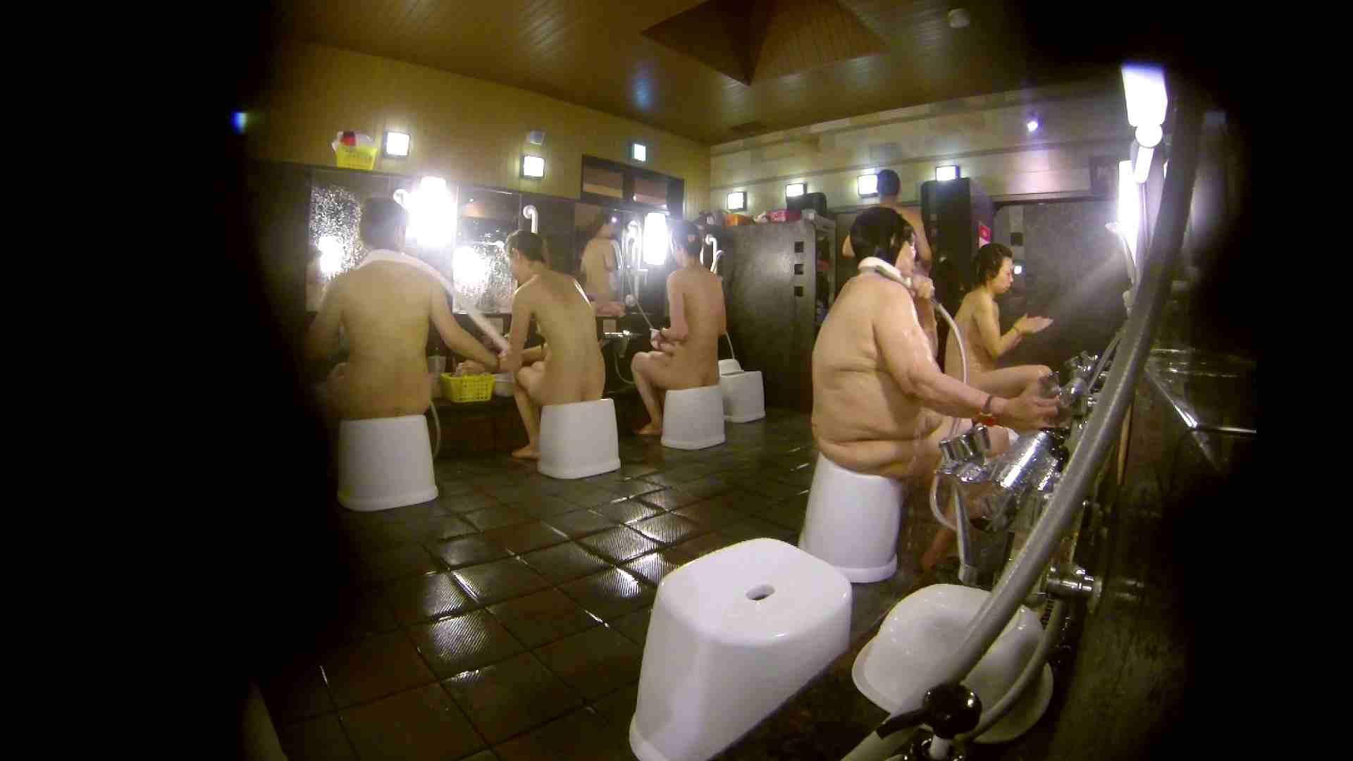 追い撮り!脱衣~洗い場、徹底追跡!撮り師さんに拍手!! 追跡 AV無料動画キャプチャ 77枚 62