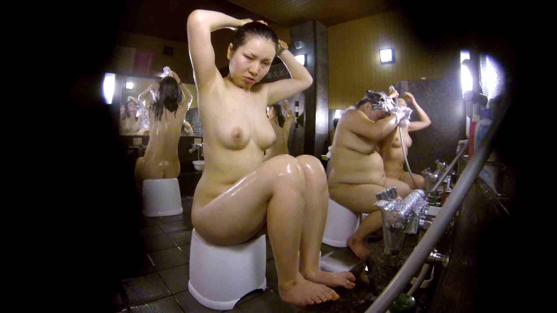 洗い場!色白でなかなかの美巨乳。柔らかく揺れまくりです お姉さんのSEX 濡れ場動画紹介 94枚 18