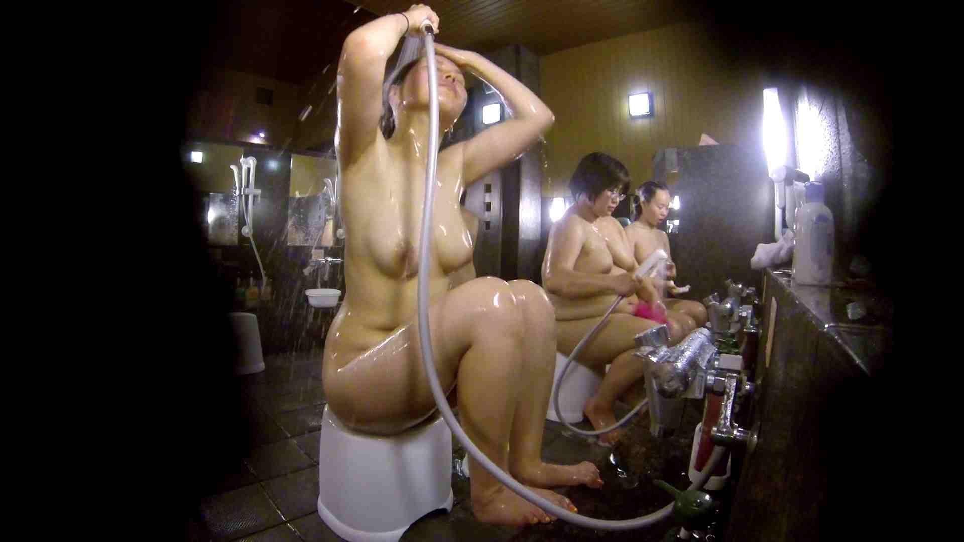 洗い場!色白でなかなかの美巨乳。柔らかく揺れまくりです 銭湯事情 性交動画流出 94枚 38