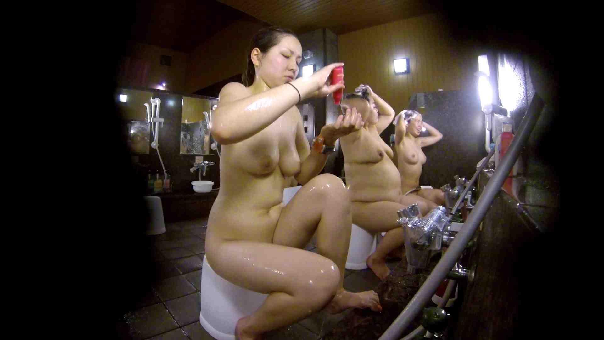 洗い場!色白でなかなかの美巨乳。柔らかく揺れまくりです 女湯のぞき エロ画像 94枚 60