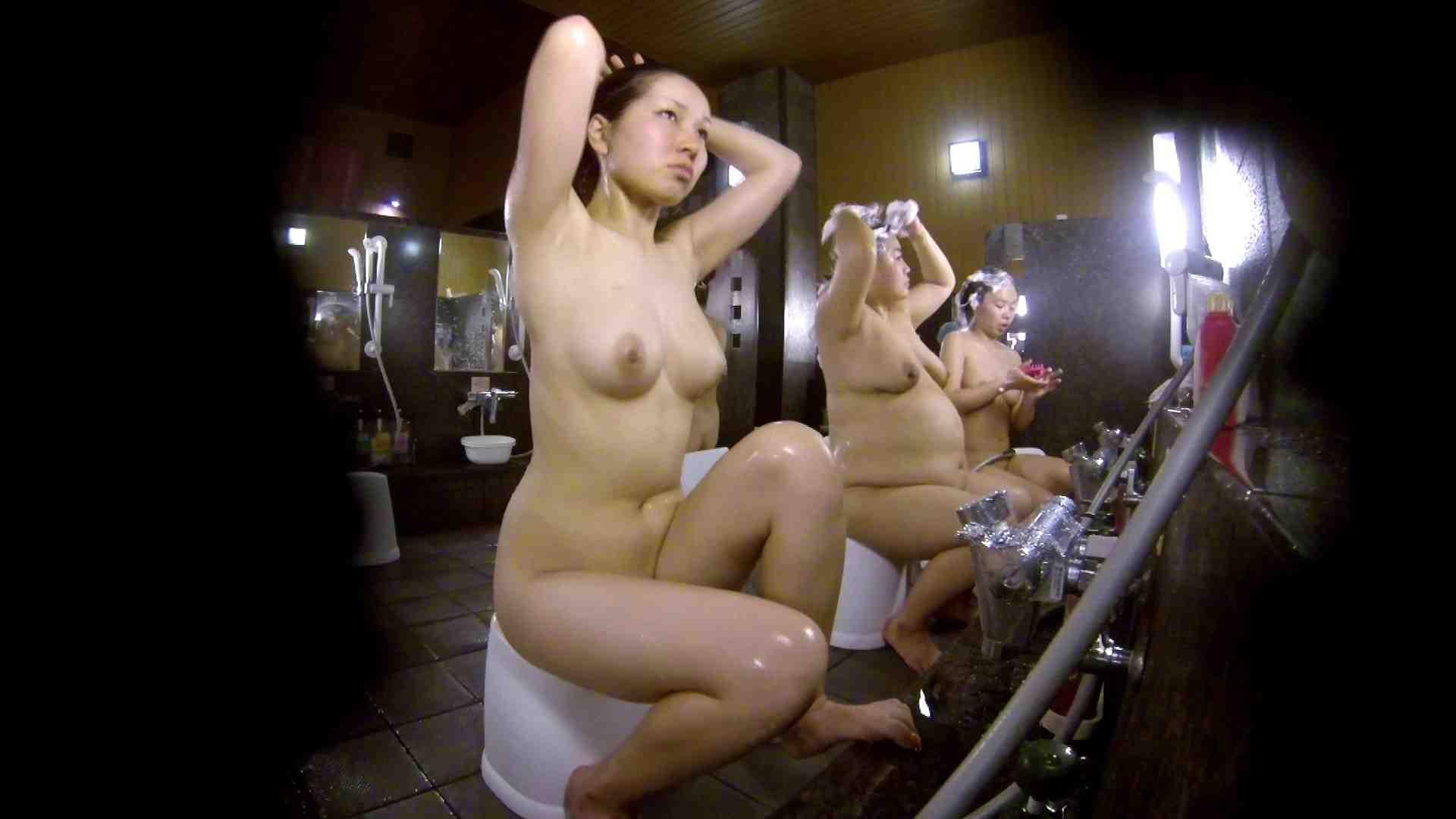 洗い場!色白でなかなかの美巨乳。柔らかく揺れまくりです お姉さんのSEX 濡れ場動画紹介 94枚 66