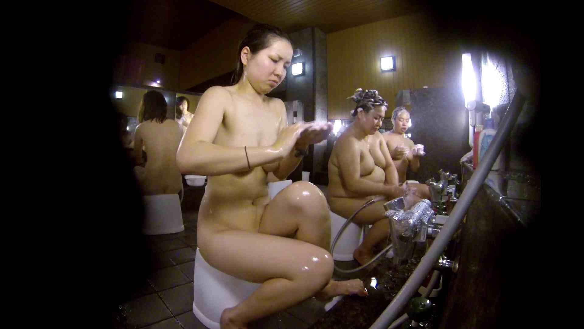 洗い場!色白でなかなかの美巨乳。柔らかく揺れまくりです 女湯のぞき エロ画像 94枚 76