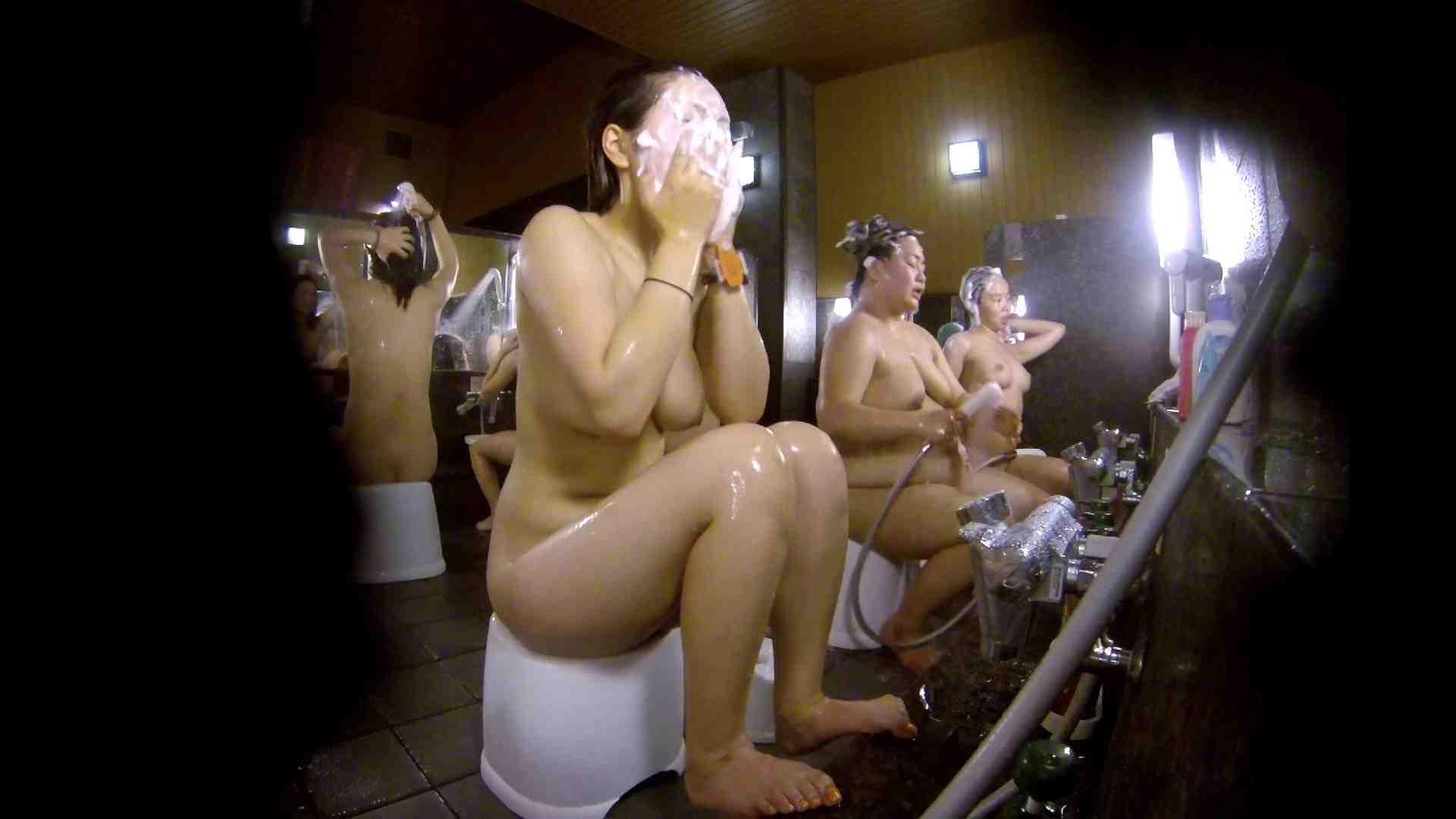 洗い場!色白でなかなかの美巨乳。柔らかく揺れまくりです 銭湯事情 性交動画流出 94枚 78