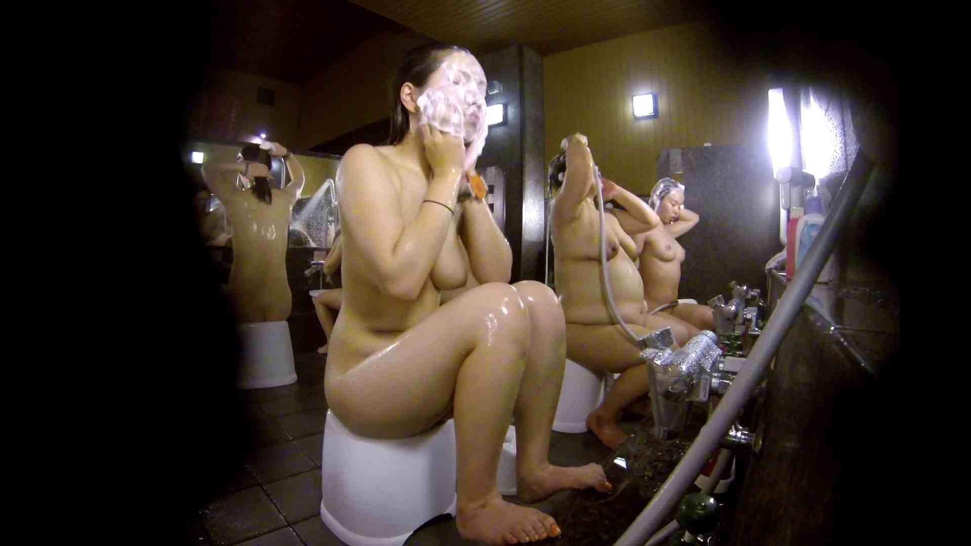 洗い場!色白でなかなかの美巨乳。柔らかく揺れまくりです 爆乳 SEX無修正画像 94枚 79