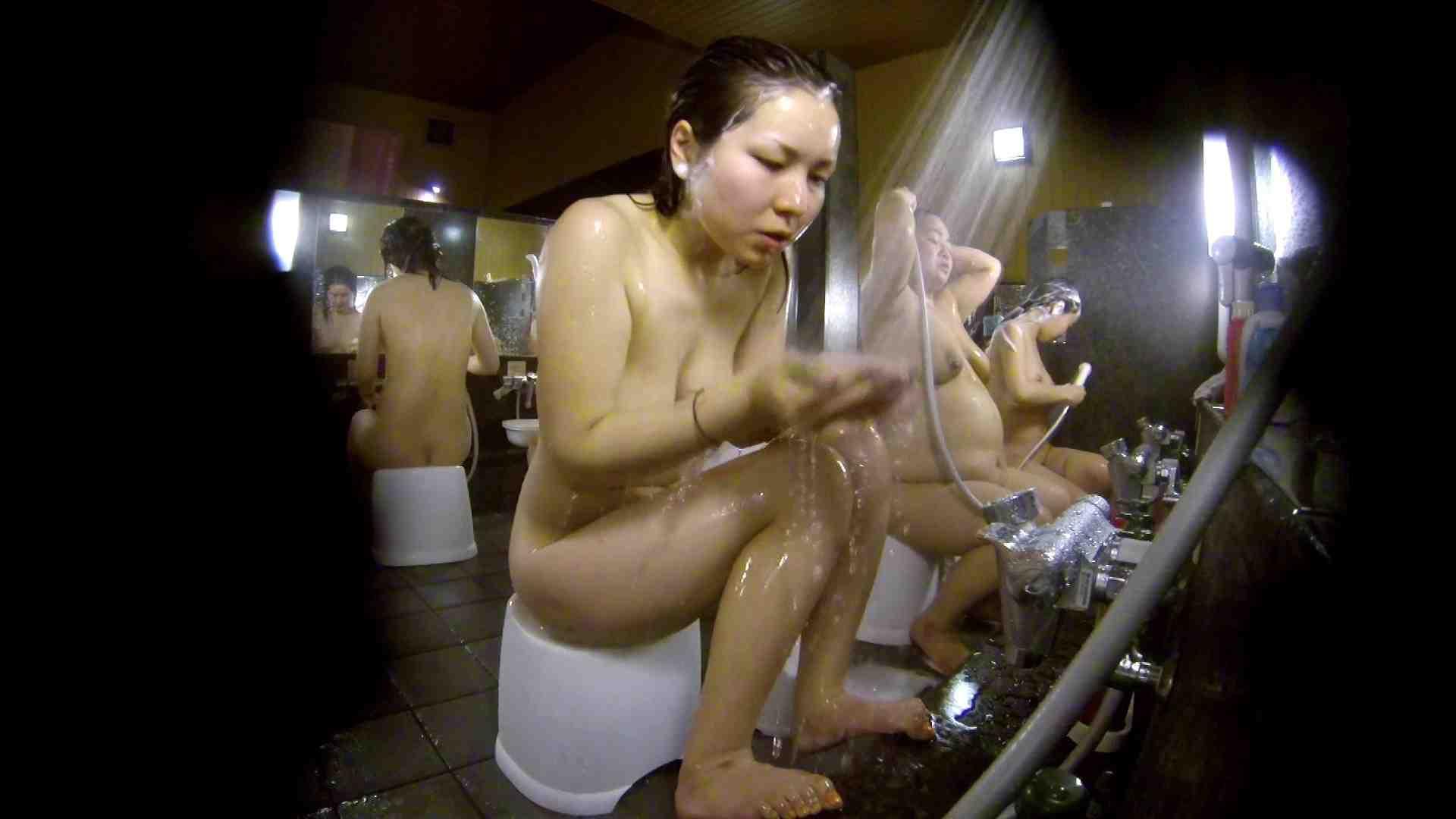 洗い場!色白でなかなかの美巨乳。柔らかく揺れまくりです 女湯のぞき エロ画像 94枚 84