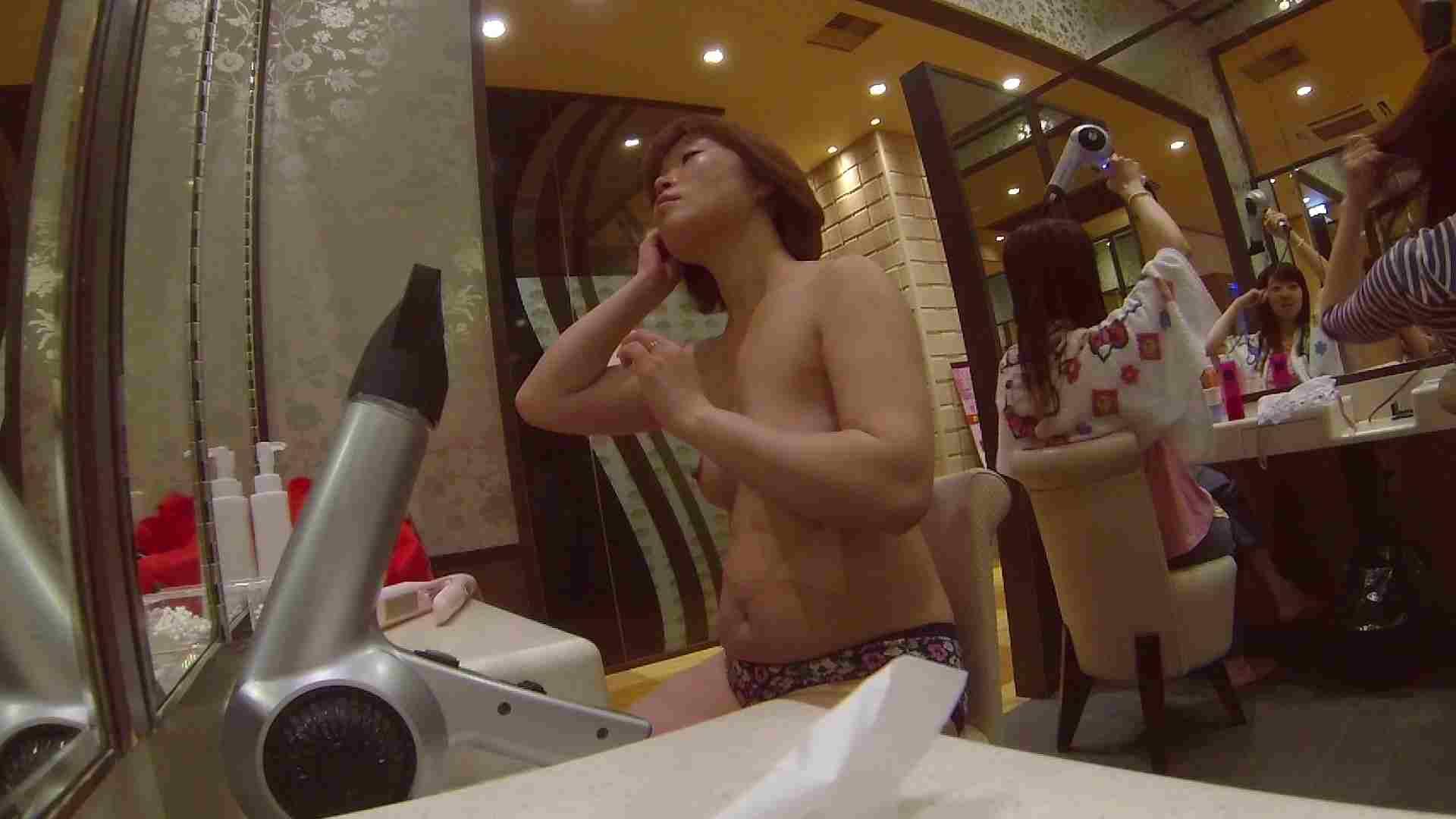 オムニバス!出入り口~シャワー~メイク室と移動。たくさんの女性が登場します 潜入 性交動画流出 81枚 15