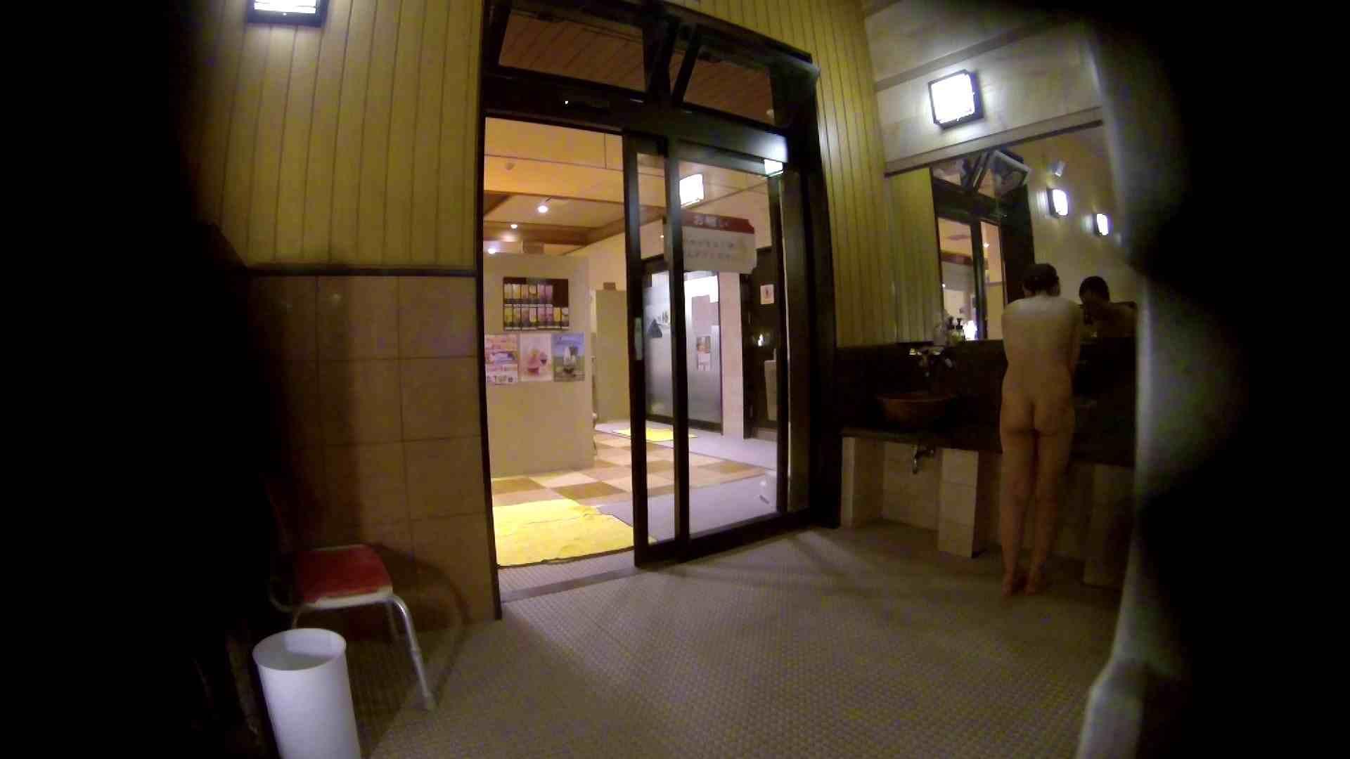 オムニバス!出入り口~シャワー~メイク室と移動。たくさんの女性が登場します ギャル達 | アラ30  81枚 31