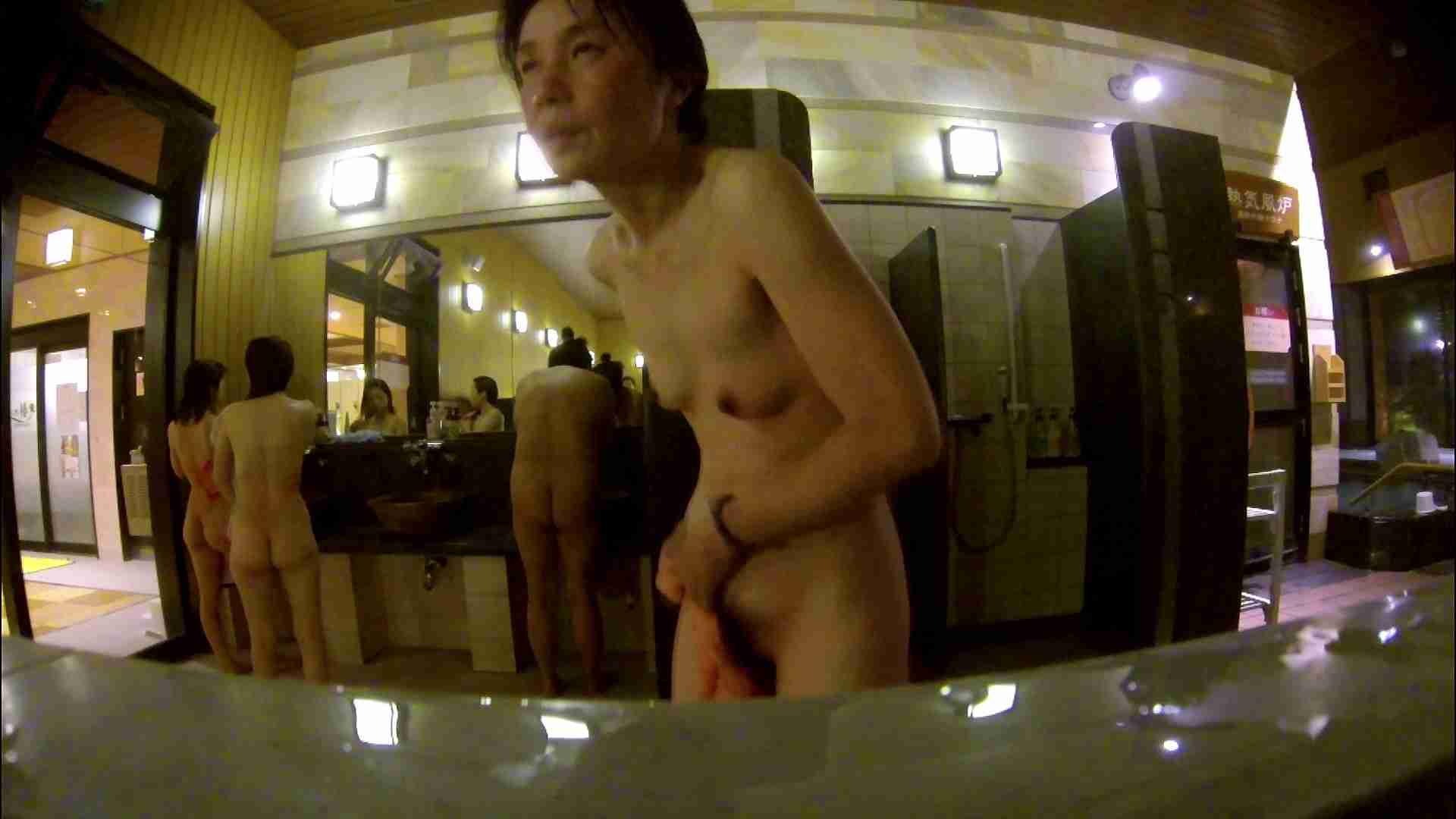 オムニバス!出入り口~シャワー~メイク室と移動。たくさんの女性が登場します 女湯のぞき ヌード画像 81枚 37