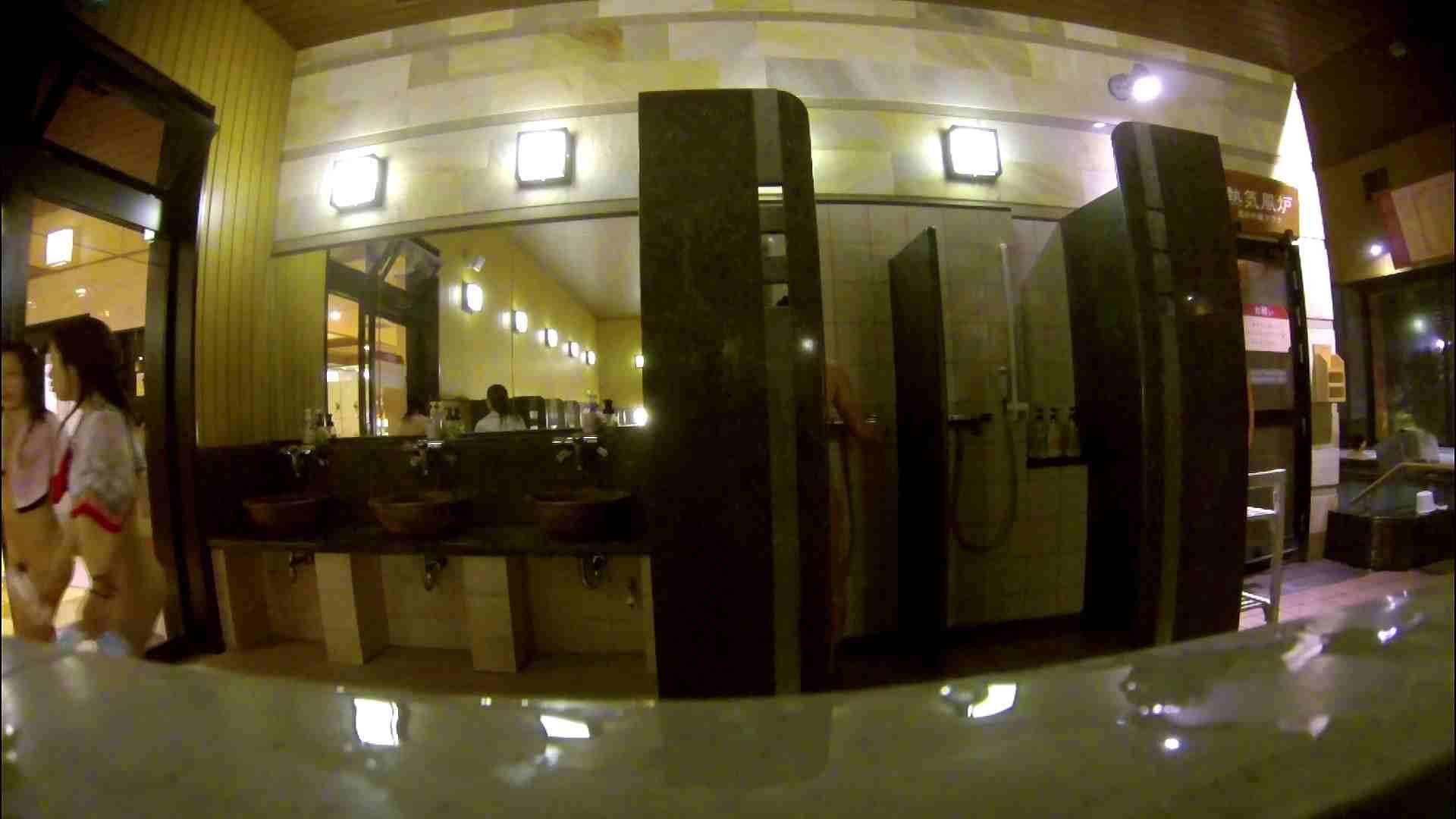 オムニバス!出入り口~シャワー~メイク室と移動。たくさんの女性が登場します ギャル達 | アラ30  81枚 41