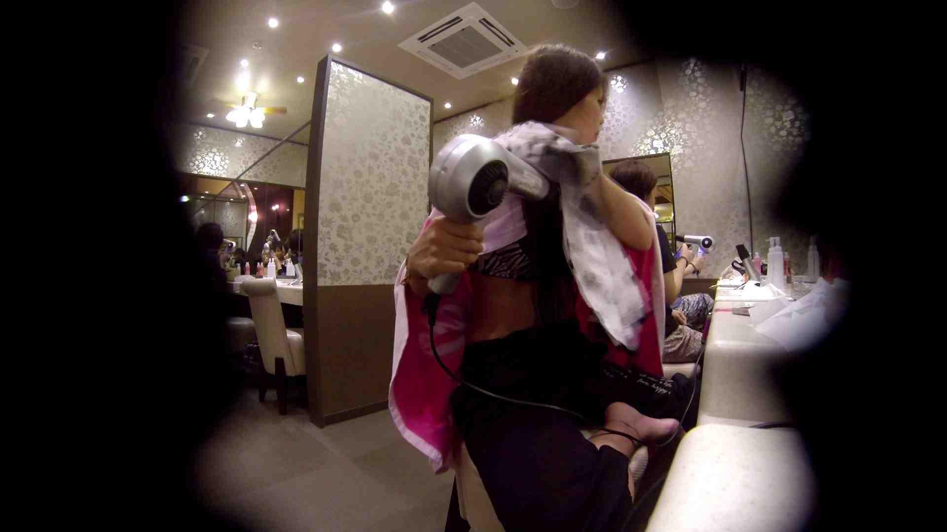 オムニバス!出入り口~シャワー~メイク室と移動。たくさんの女性が登場します 女湯のぞき ヌード画像 81枚 57