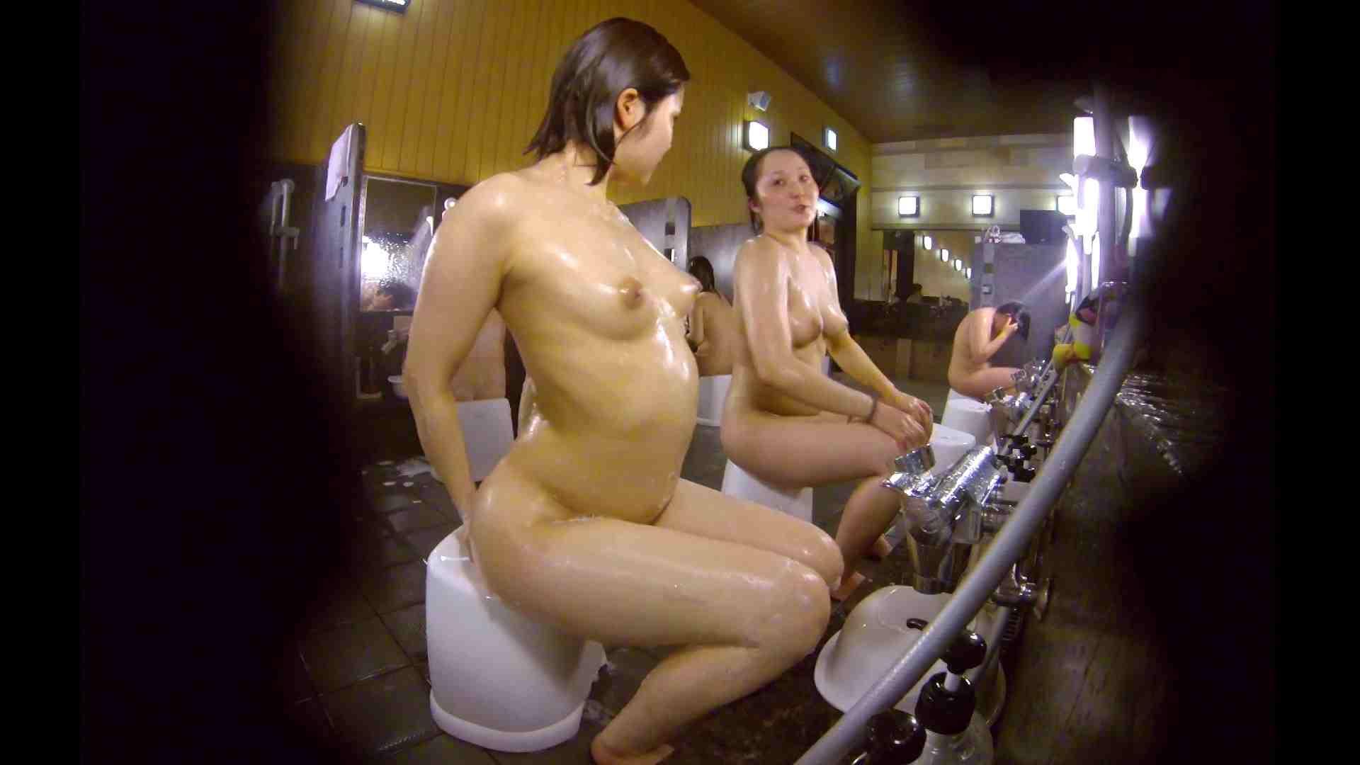 洗い場!ムッチリの2人組。美女ではないですが、触りたくなる体つき 潜入 ヌード画像 107枚 102